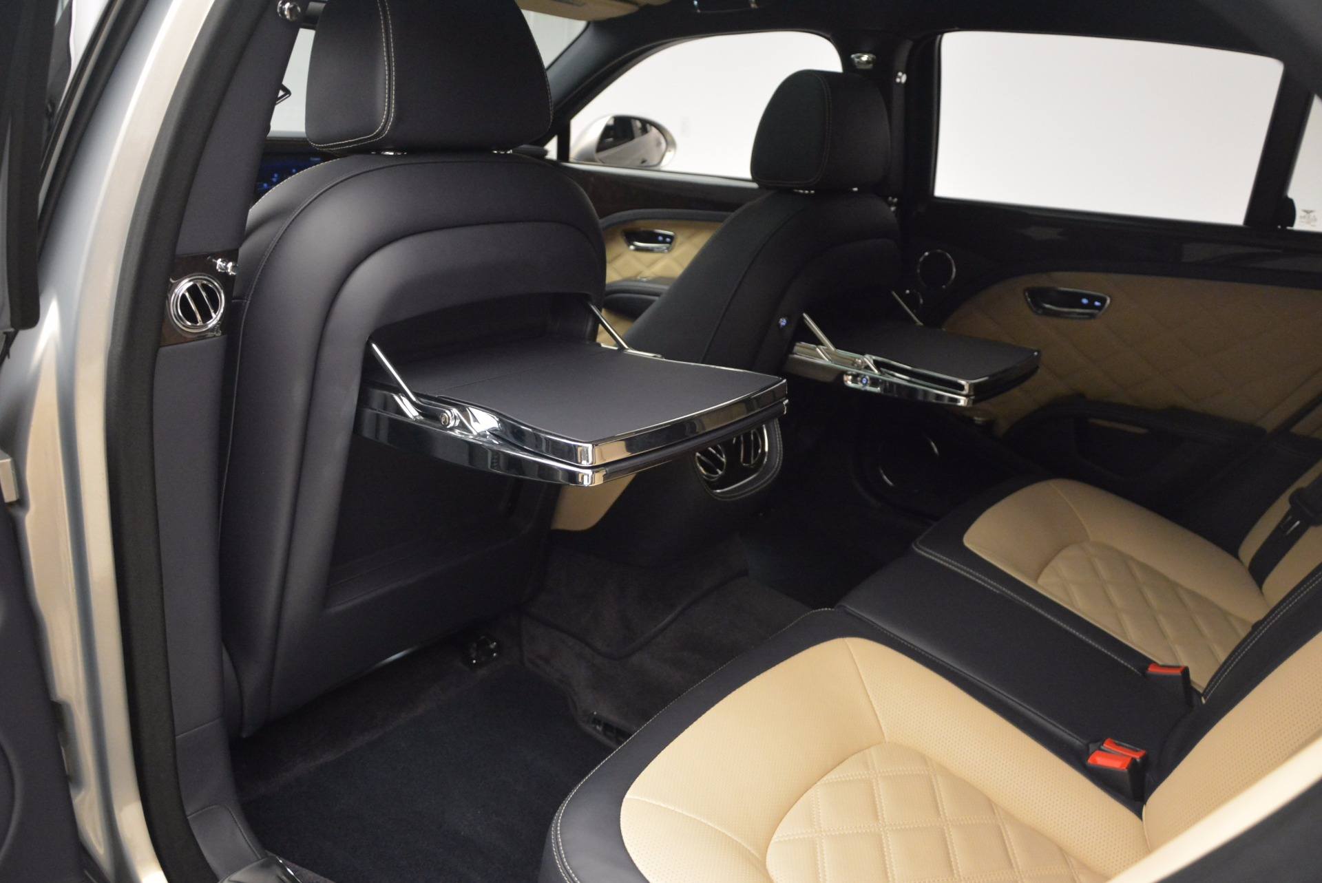 Used 2016 Bentley Mulsanne Speed For Sale In Greenwich, CT. Alfa Romeo of Greenwich, 7106 671_p35