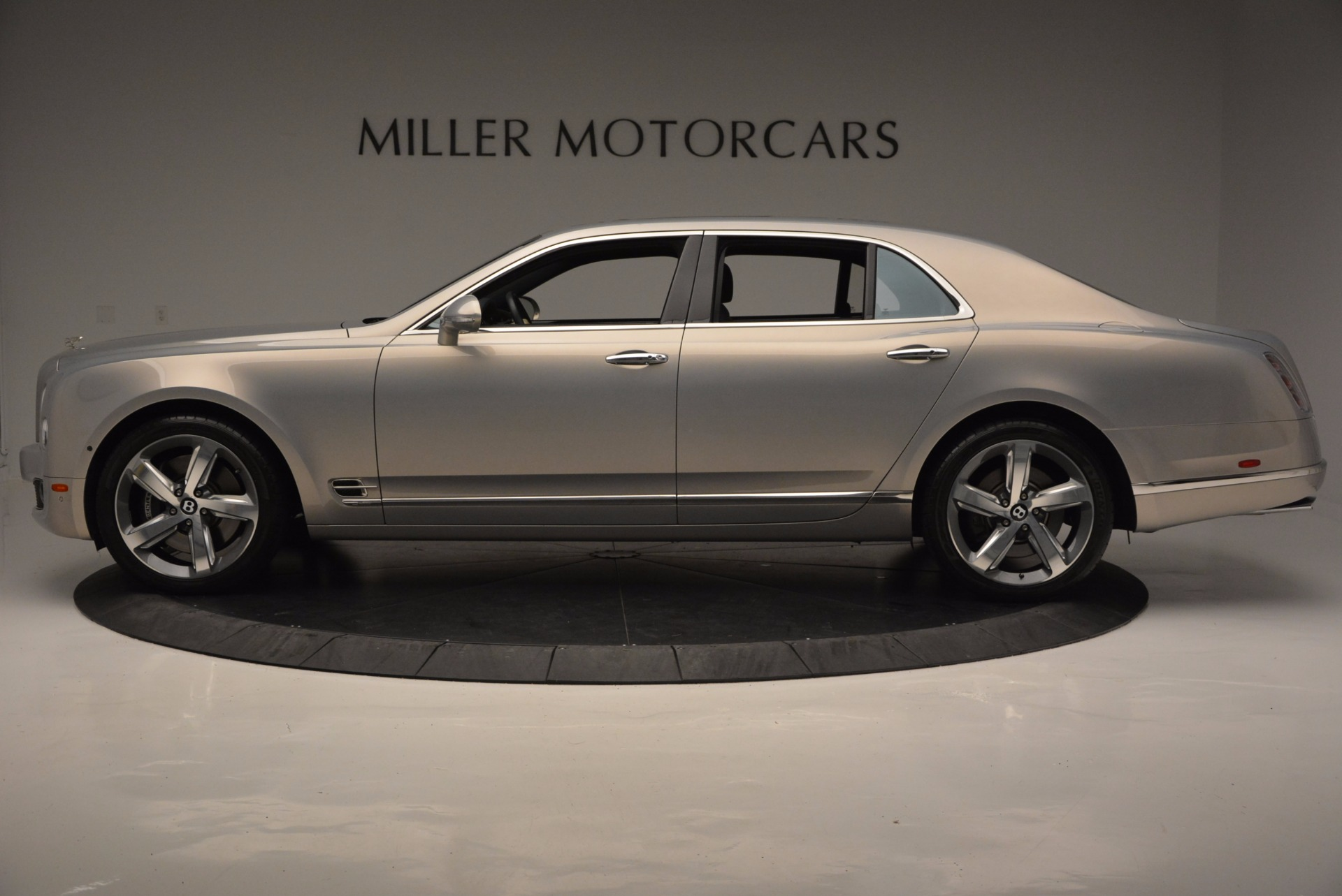 Used 2016 Bentley Mulsanne Speed For Sale In Greenwich, CT. Alfa Romeo of Greenwich, 7106 671_p3
