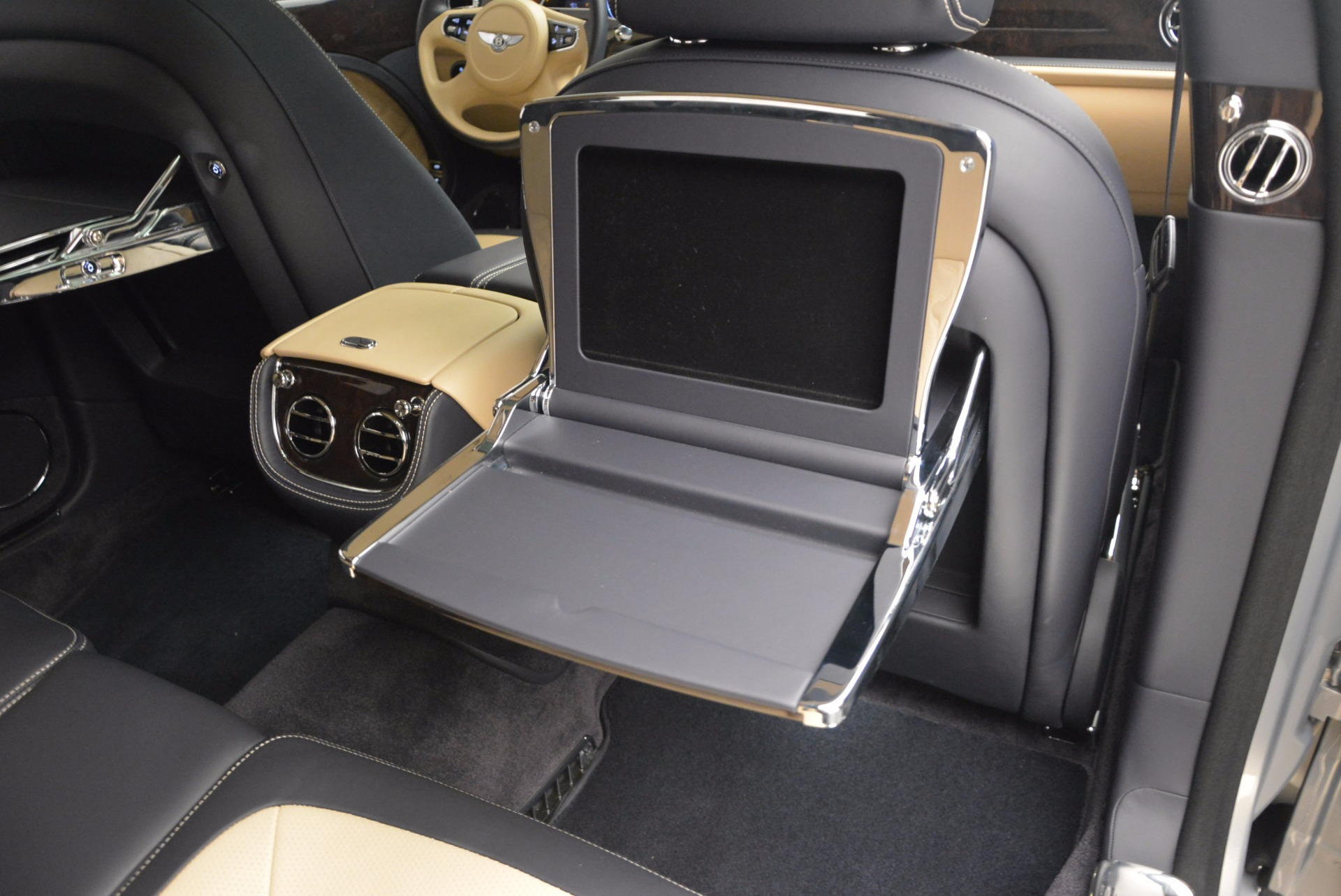 Used 2016 Bentley Mulsanne Speed For Sale In Greenwich, CT. Alfa Romeo of Greenwich, 7106 671_p51