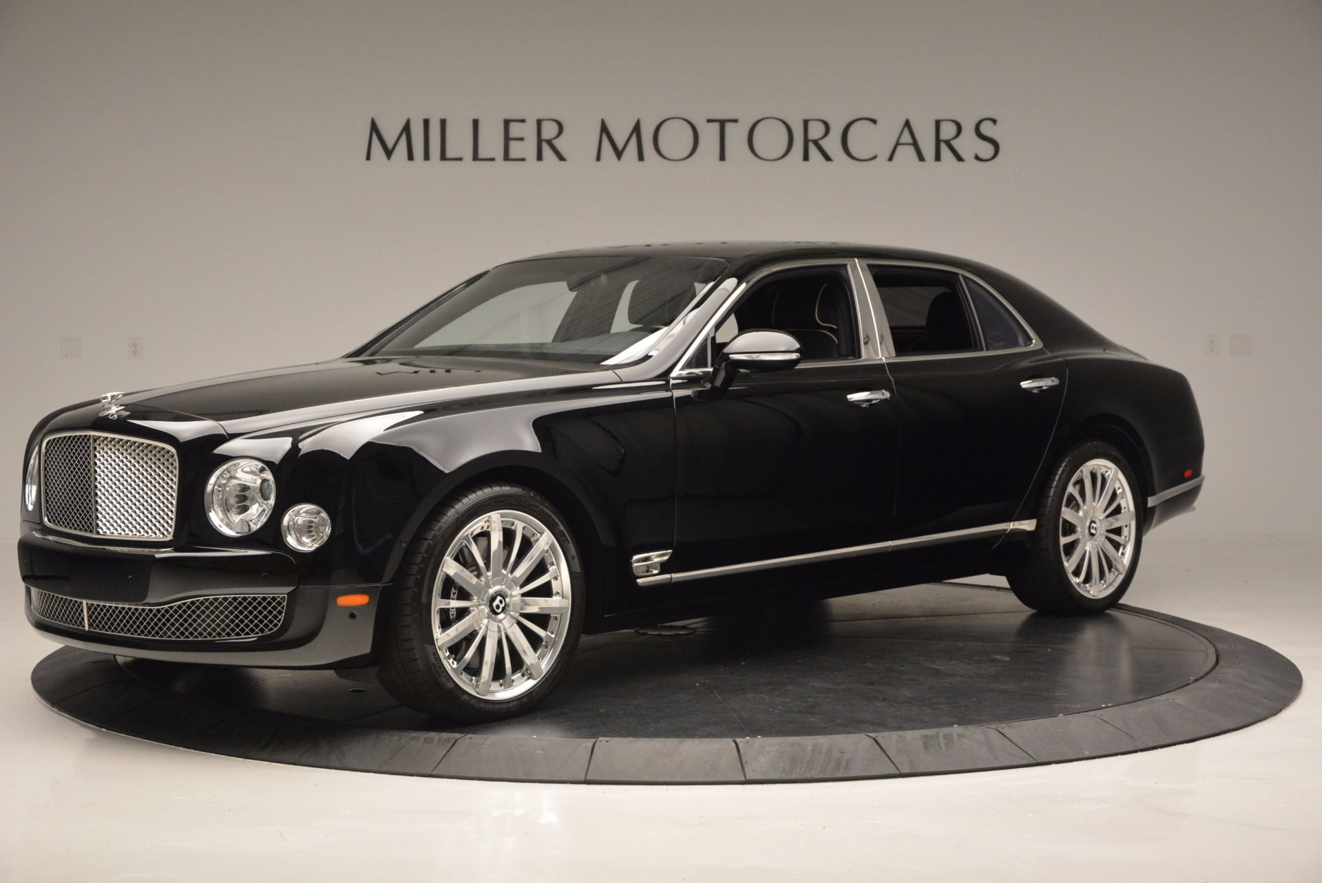 Used 2016 Bentley Mulsanne  For Sale In Greenwich, CT. Alfa Romeo of Greenwich, 7107 672_p2
