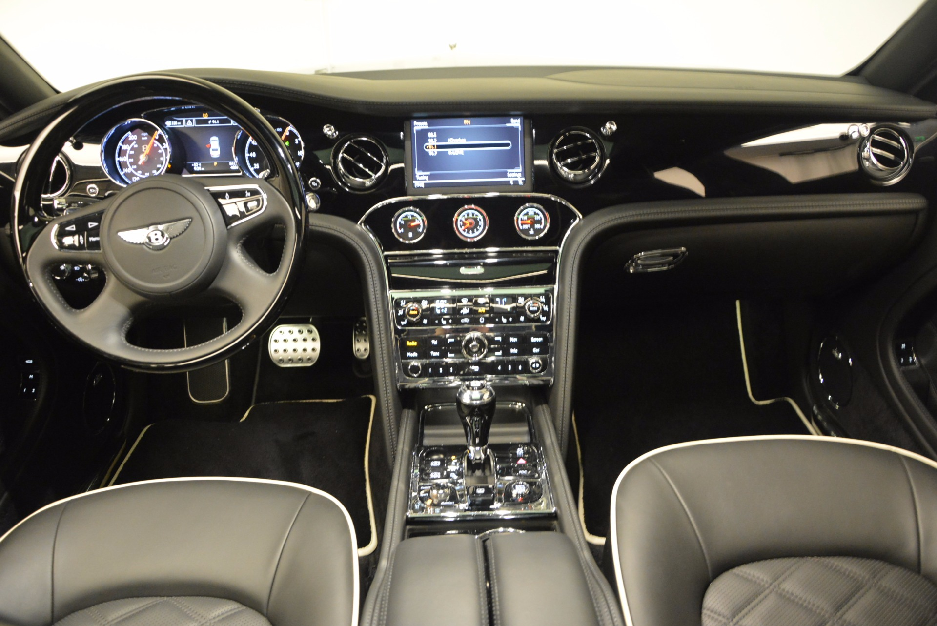 Used 2016 Bentley Mulsanne  For Sale In Greenwich, CT. Alfa Romeo of Greenwich, 7107 672_p37