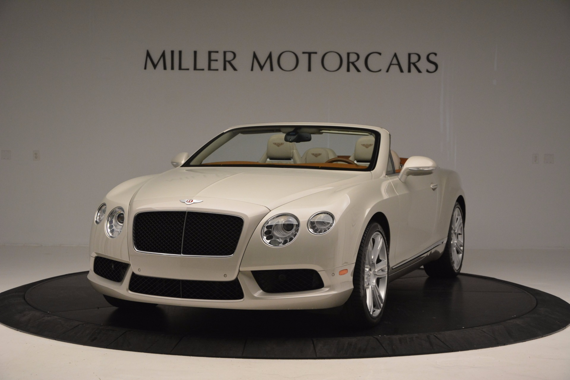 Used 2013 Bentley Continental GTC V8  For Sale In Greenwich, CT. Alfa Romeo of Greenwich, 7108