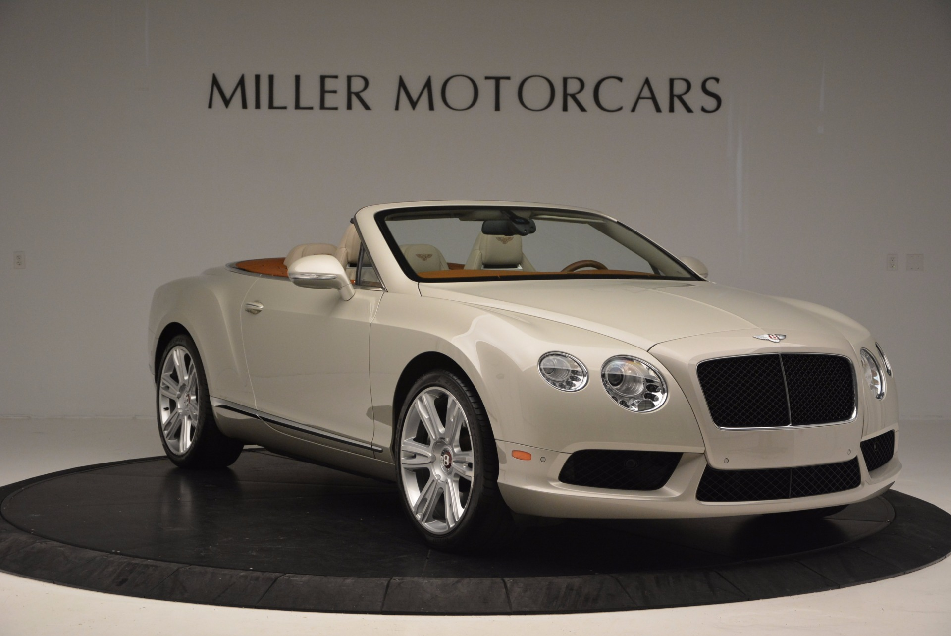 Used 2013 Bentley Continental GTC V8  For Sale In Greenwich, CT. Alfa Romeo of Greenwich, 7108 675_p11
