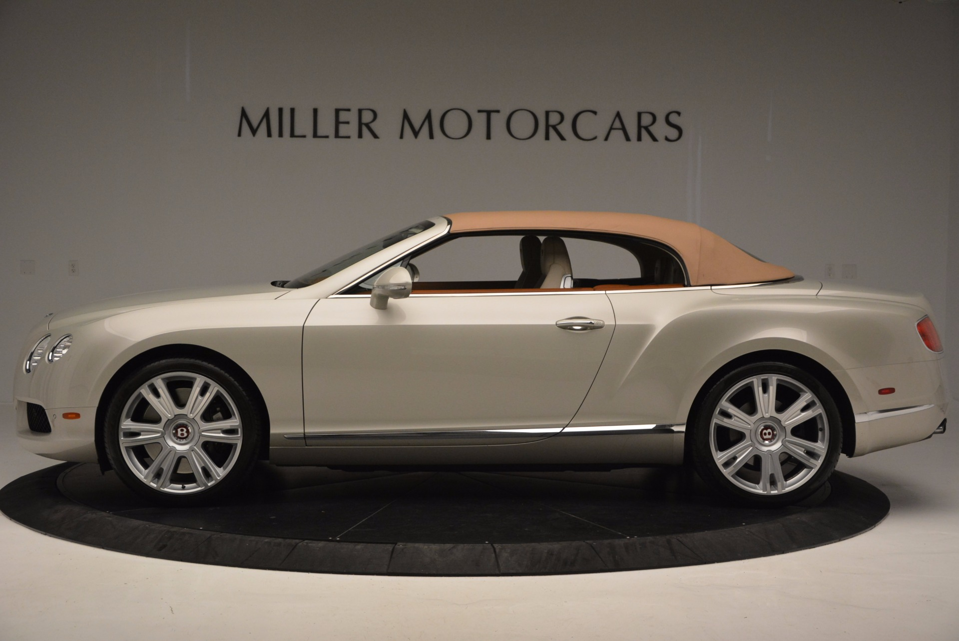 Used 2013 Bentley Continental GTC V8  For Sale In Greenwich, CT. Alfa Romeo of Greenwich, 7108 675_p16
