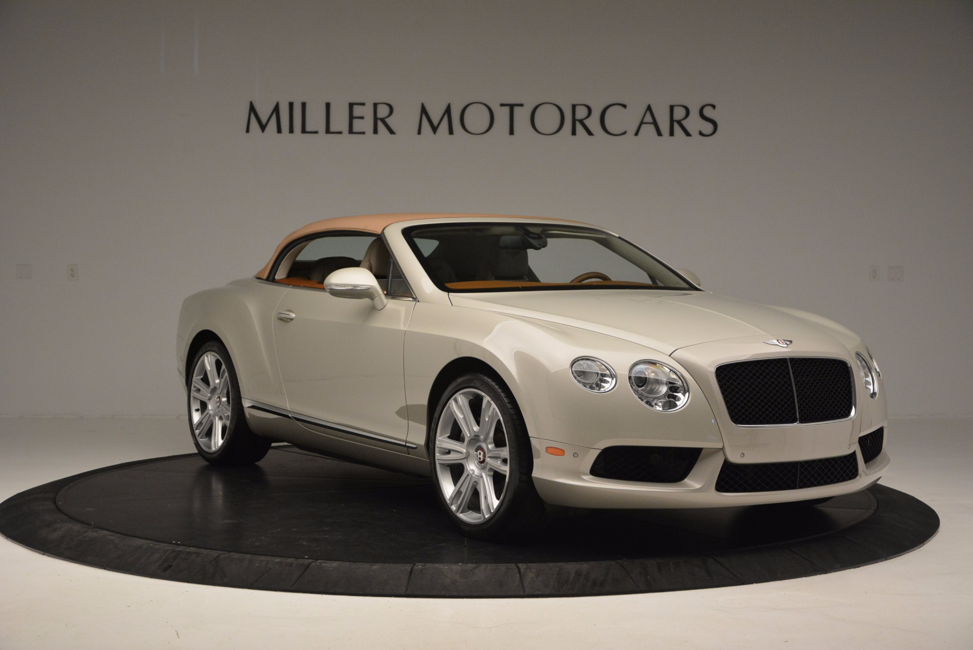 Used 2013 Bentley Continental GTC V8  For Sale In Greenwich, CT. Alfa Romeo of Greenwich, 7108 675_p24
