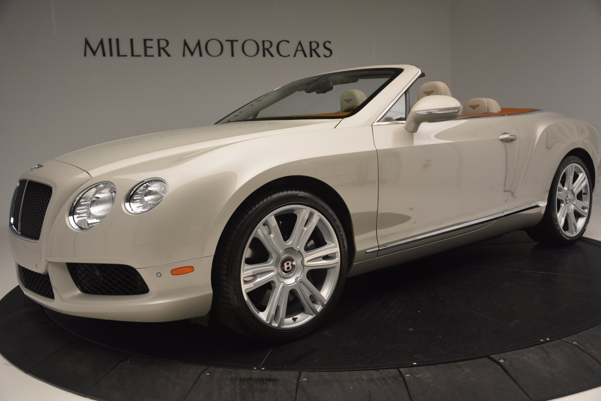 Used 2013 Bentley Continental GTC V8  For Sale In Greenwich, CT. Alfa Romeo of Greenwich, 7108 675_p28