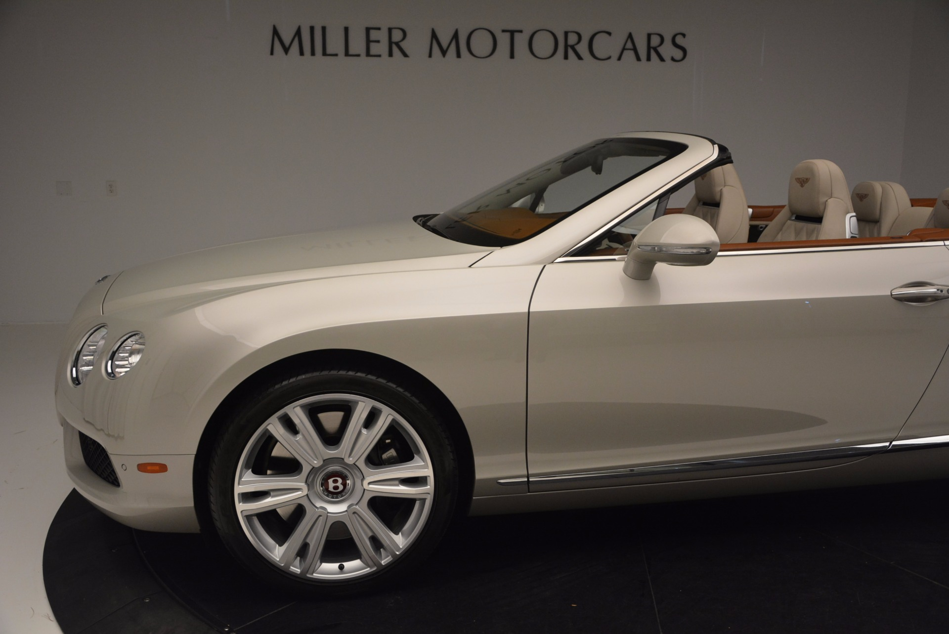 Used 2013 Bentley Continental GTC V8  For Sale In Greenwich, CT. Alfa Romeo of Greenwich, 7108 675_p30