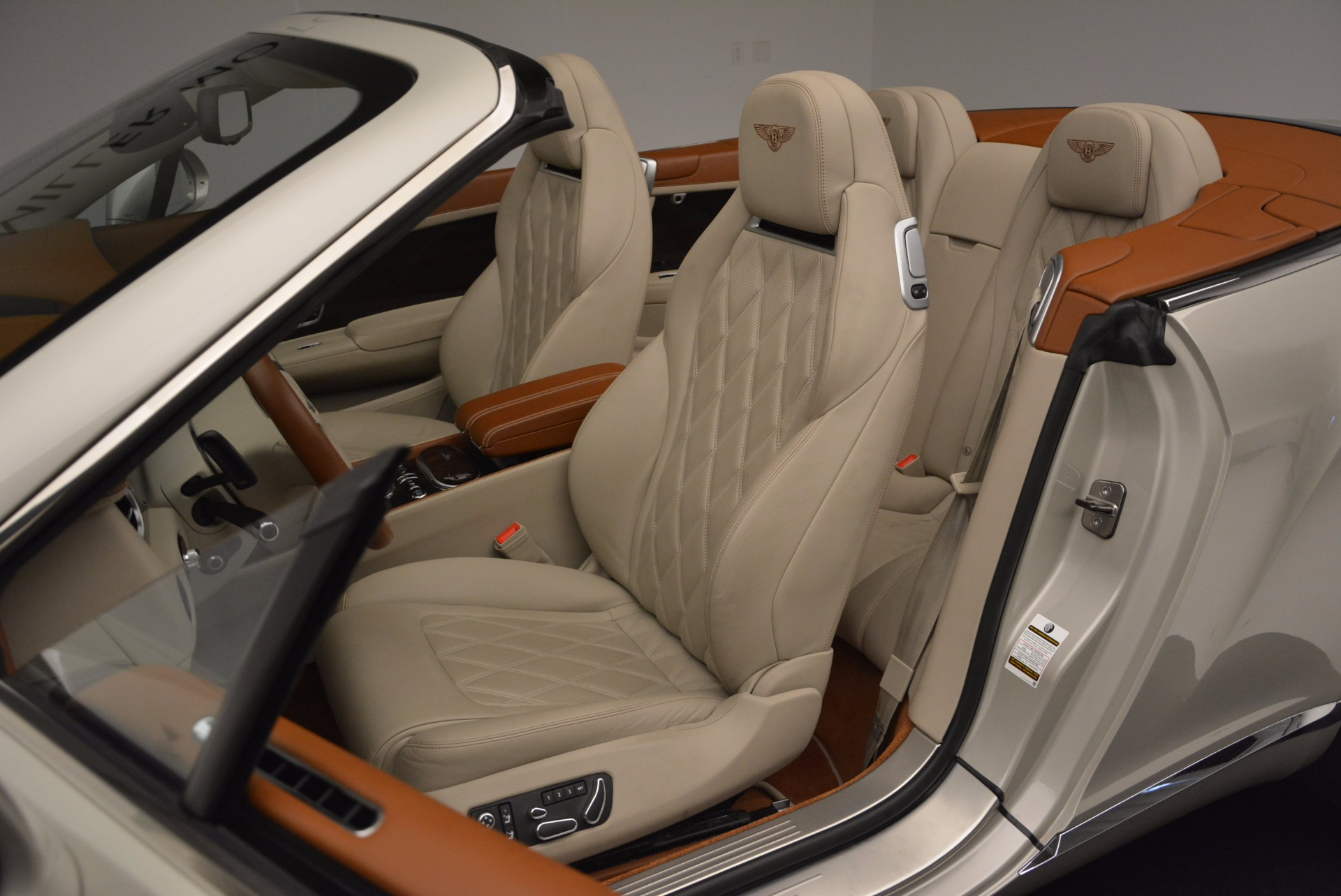 Used 2013 Bentley Continental GTC V8  For Sale In Greenwich, CT. Alfa Romeo of Greenwich, 7108 675_p34