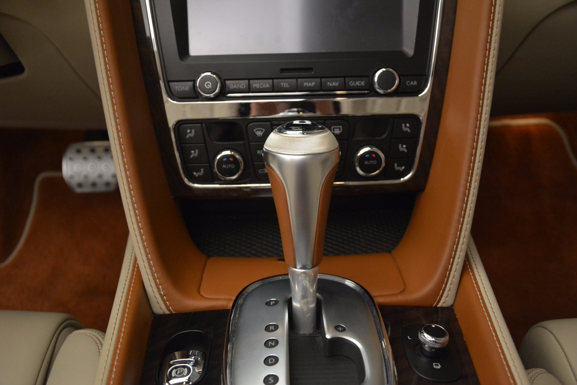 Used 2013 Bentley Continental GTC V8  For Sale In Greenwich, CT. Alfa Romeo of Greenwich, 7108 675_p39