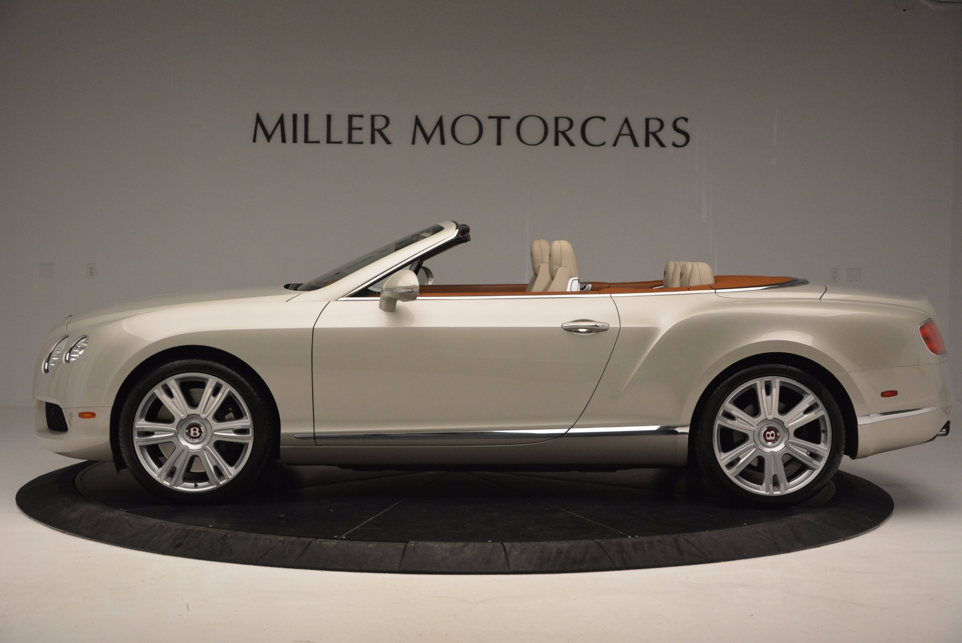 Used 2013 Bentley Continental GTC V8  For Sale In Greenwich, CT. Alfa Romeo of Greenwich, 7108 675_p3