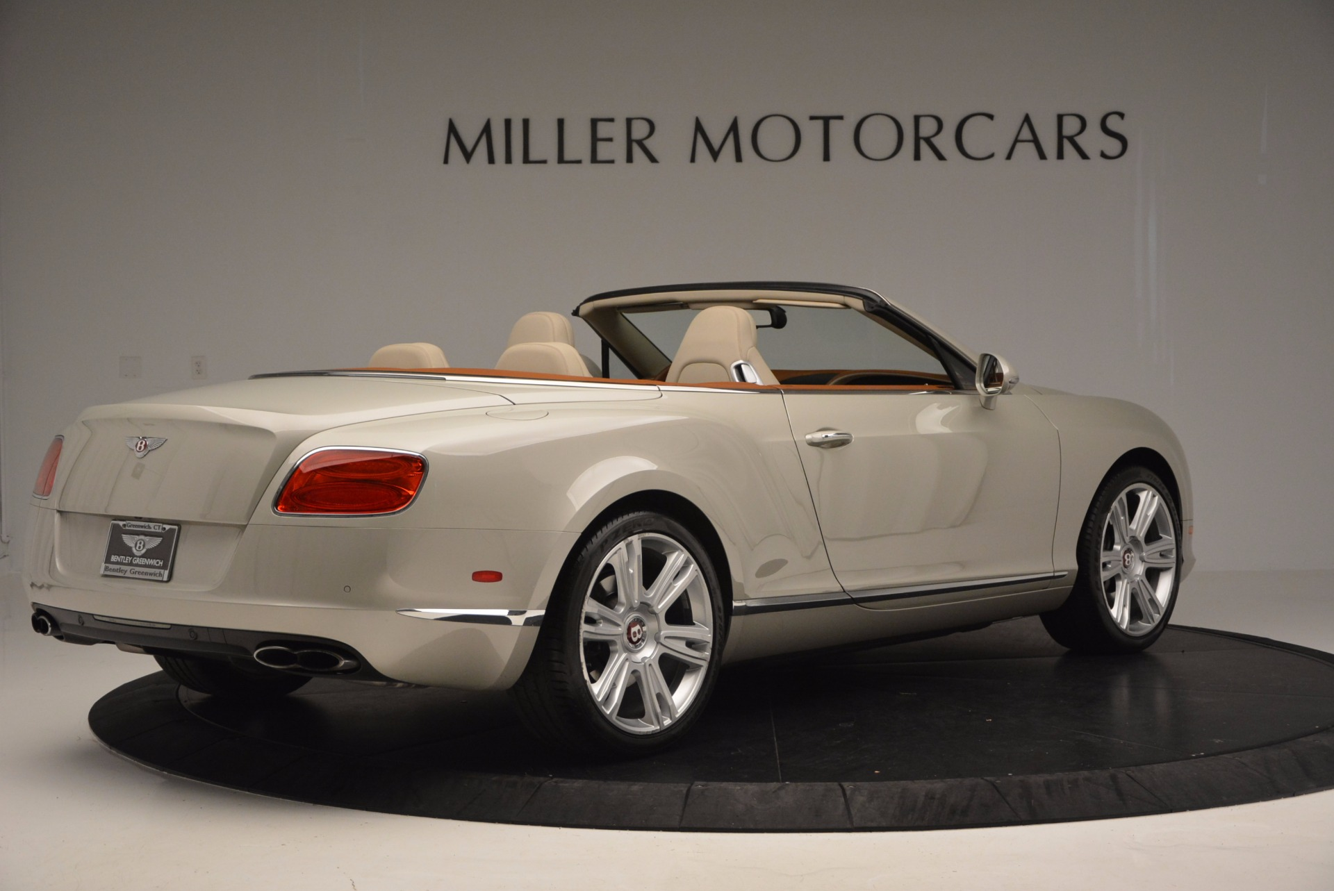 Used 2013 Bentley Continental GTC V8  For Sale In Greenwich, CT. Alfa Romeo of Greenwich, 7108 675_p8