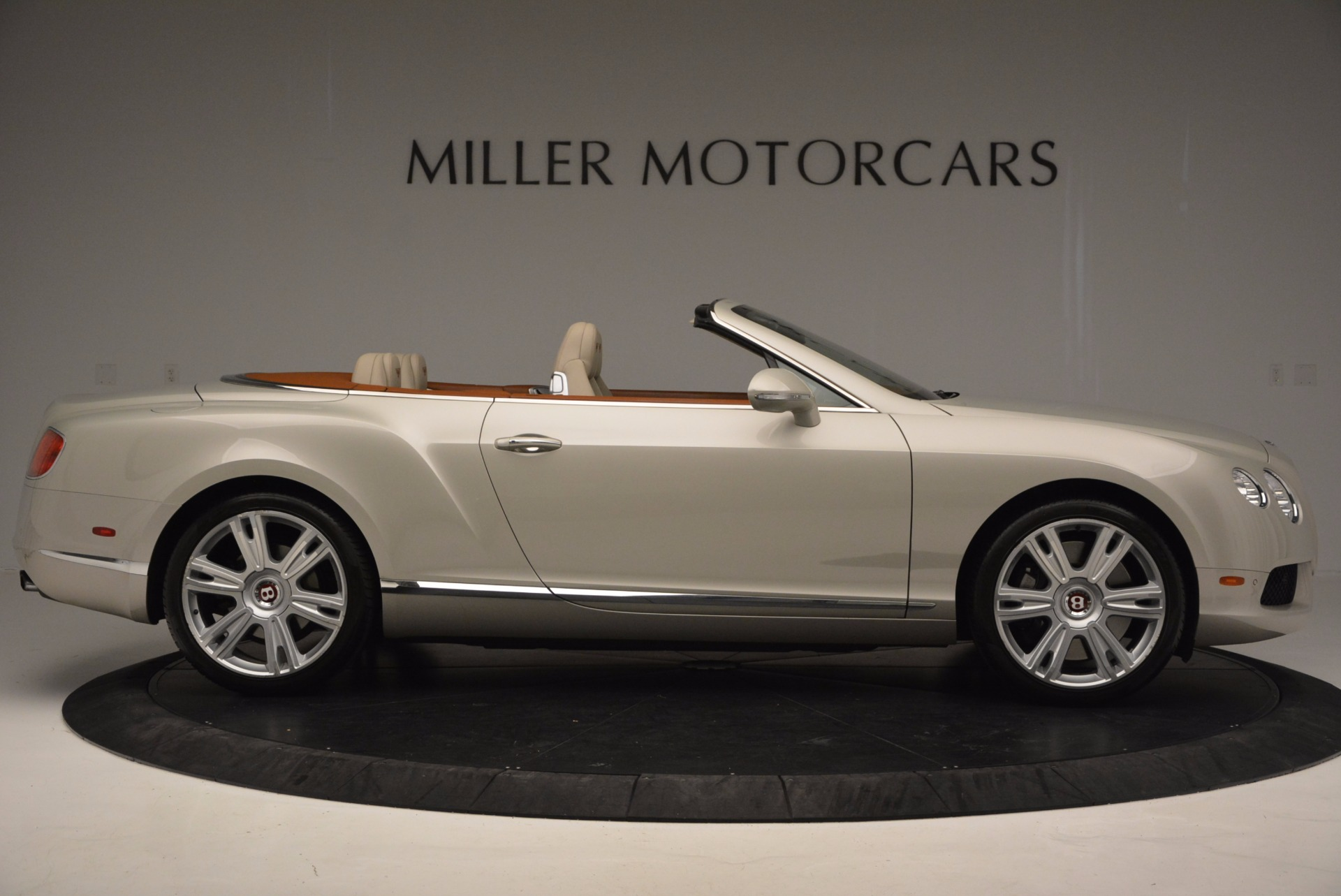 Used 2013 Bentley Continental GTC V8  For Sale In Greenwich, CT. Alfa Romeo of Greenwich, 7108 675_p9