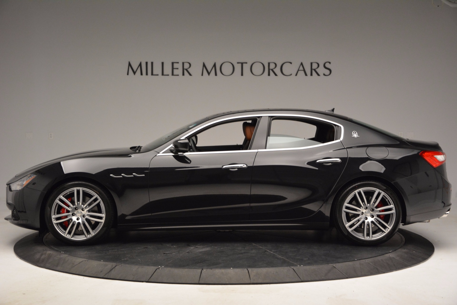Used 2017 Maserati Ghibli S Q4 For Sale In Greenwich, CT. Alfa Romeo of Greenwich, M1711 682_p3