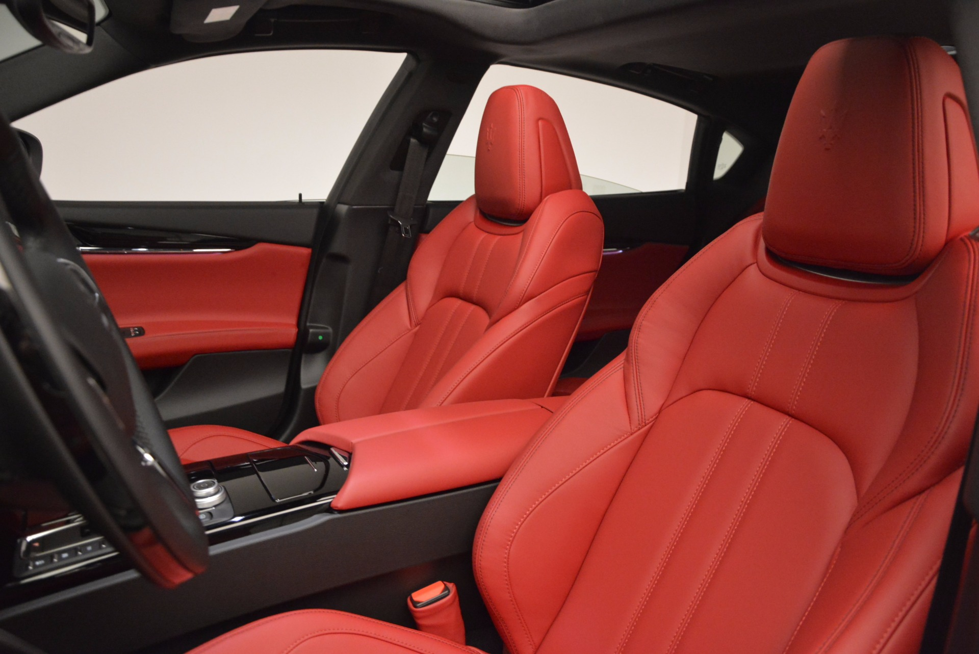 New 2017 Maserati Quattroporte S Q4 GranSport For Sale In Greenwich, CT. Alfa Romeo of Greenwich, W350 685_p14