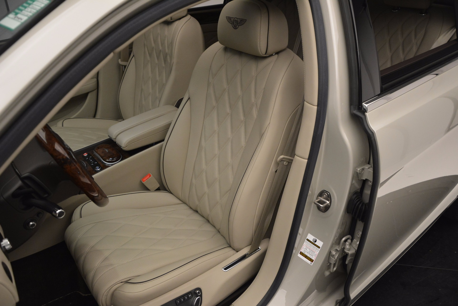Used 2015 Bentley Flying Spur W12  For Sale In Greenwich, CT. Alfa Romeo of Greenwich, B1202A 694_p23