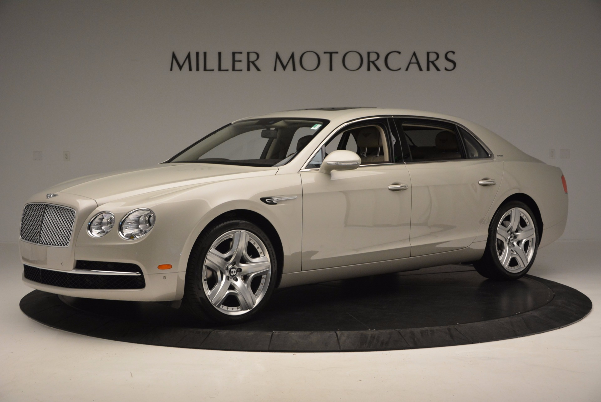 Used 2015 Bentley Flying Spur W12  For Sale In Greenwich, CT. Alfa Romeo of Greenwich, B1202A 694_p2