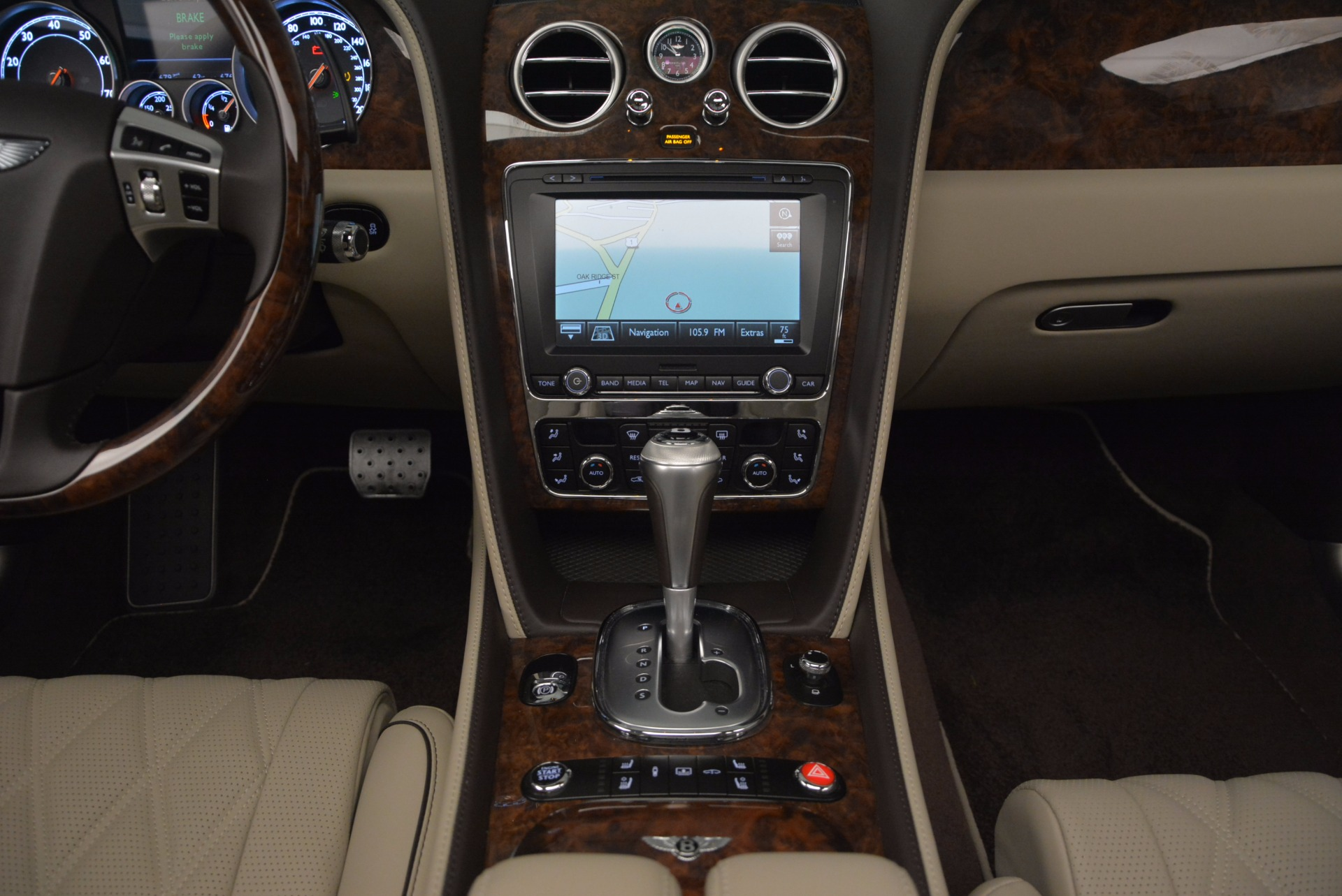 Used 2015 Bentley Flying Spur W12  For Sale In Greenwich, CT. Alfa Romeo of Greenwich, B1202A 694_p36