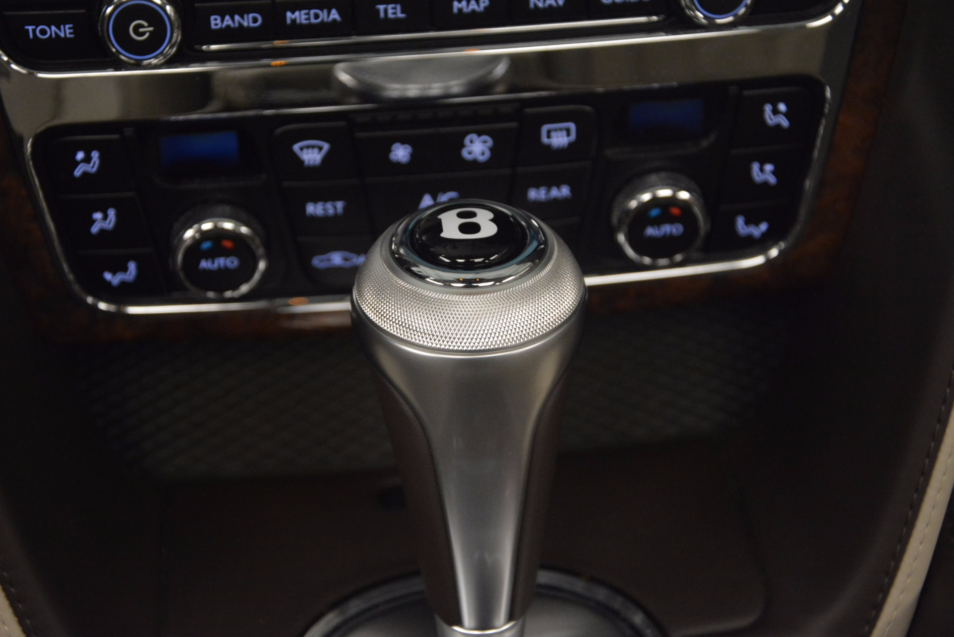 Used 2015 Bentley Flying Spur W12  For Sale In Greenwich, CT. Alfa Romeo of Greenwich, B1202A 694_p37