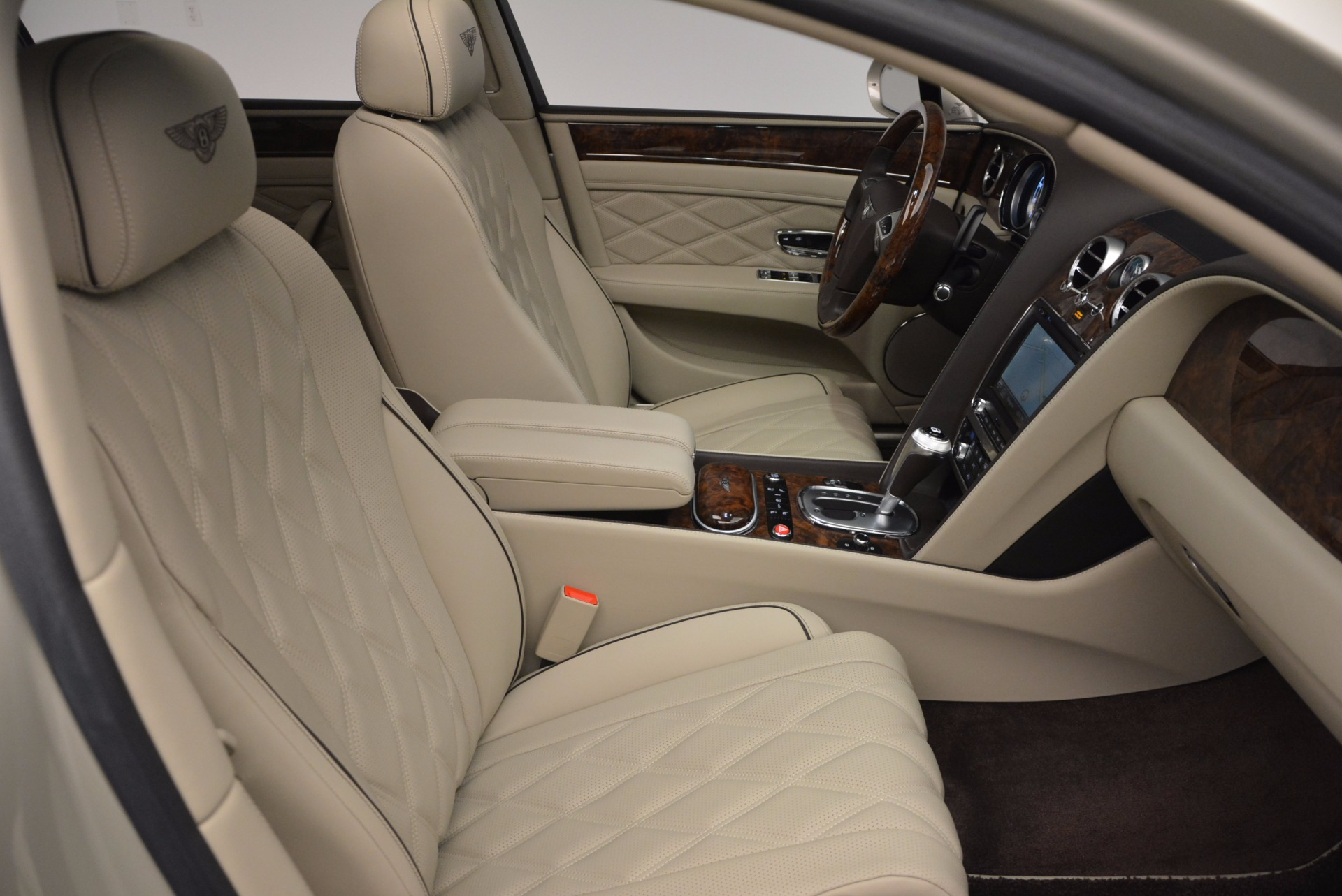 Used 2015 Bentley Flying Spur W12  For Sale In Greenwich, CT. Alfa Romeo of Greenwich, B1202A 694_p39