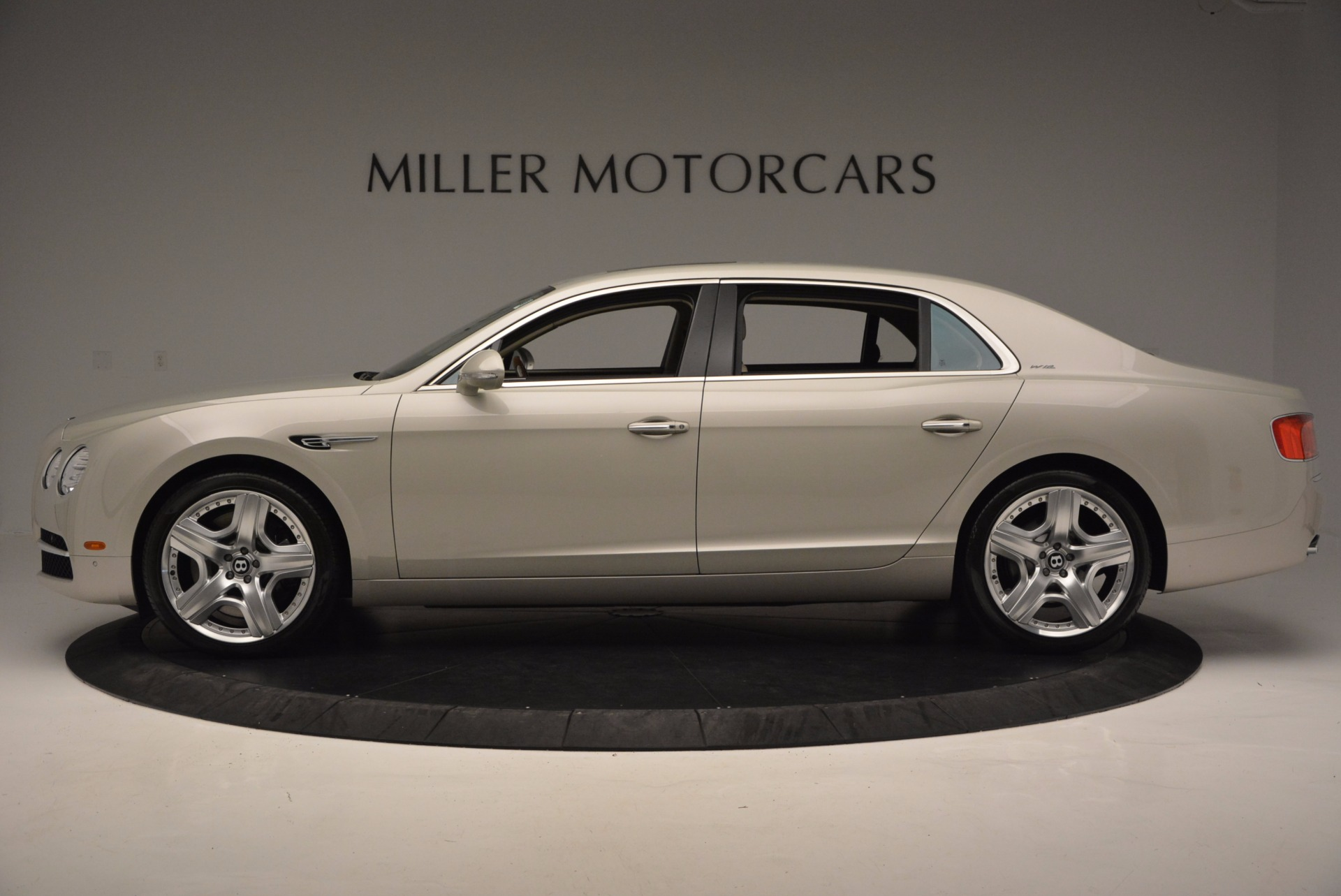 Used 2015 Bentley Flying Spur W12  For Sale In Greenwich, CT. Alfa Romeo of Greenwich, B1202A 694_p3