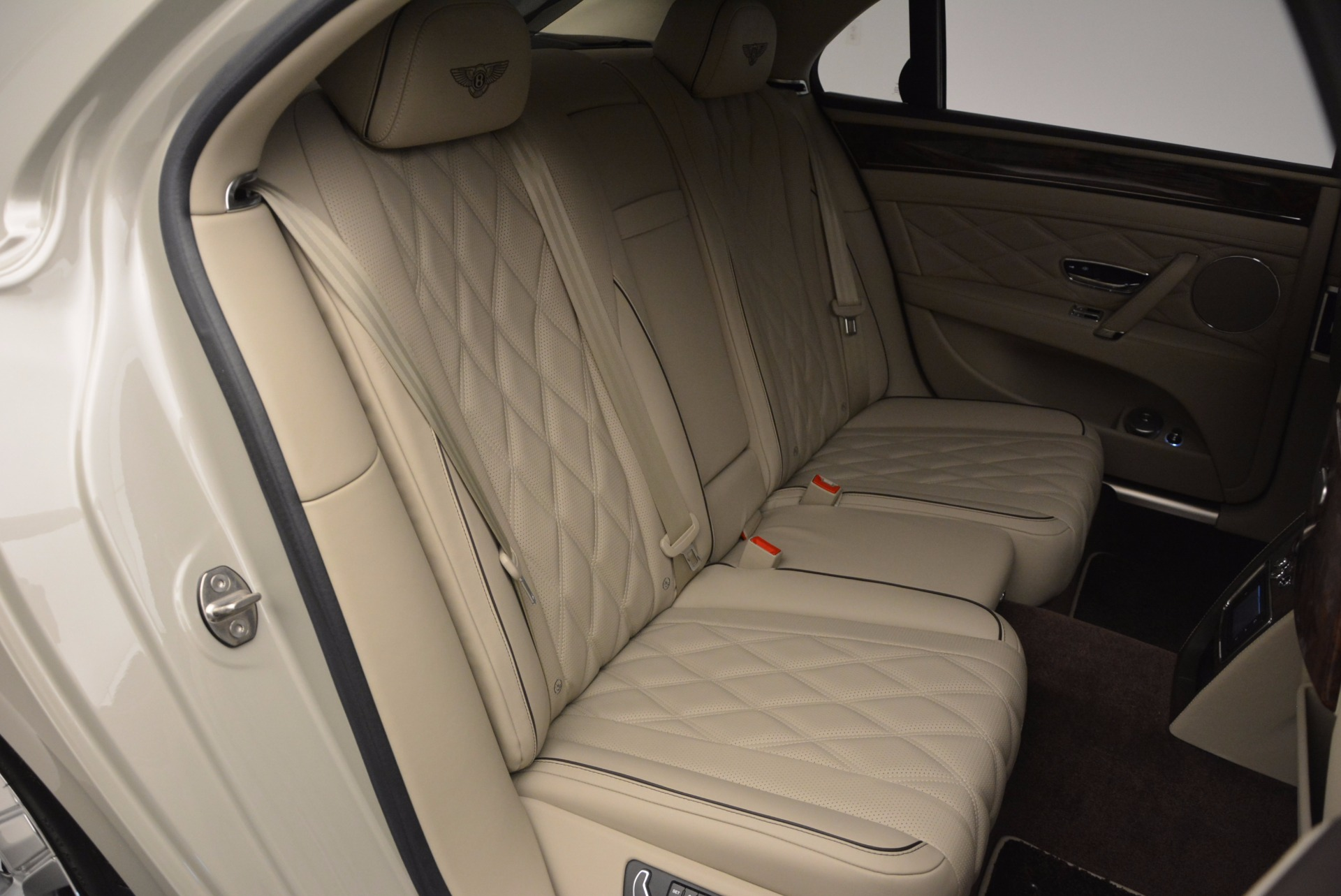 Used 2015 Bentley Flying Spur W12  For Sale In Greenwich, CT. Alfa Romeo of Greenwich, B1202A 694_p45