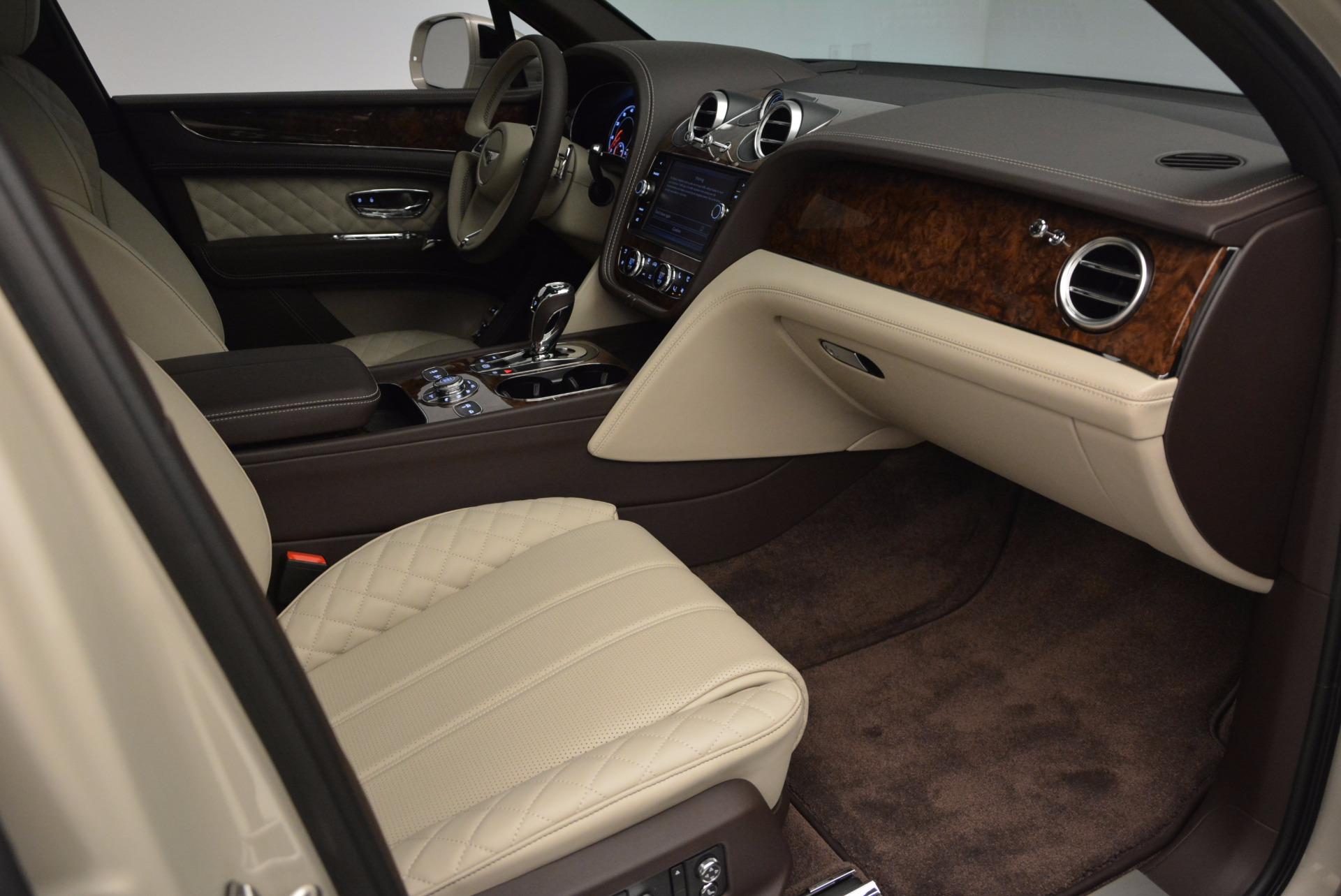 Used 2017 Bentley Bentayga  For Sale In Greenwich, CT. Alfa Romeo of Greenwich, B1200 695_p38