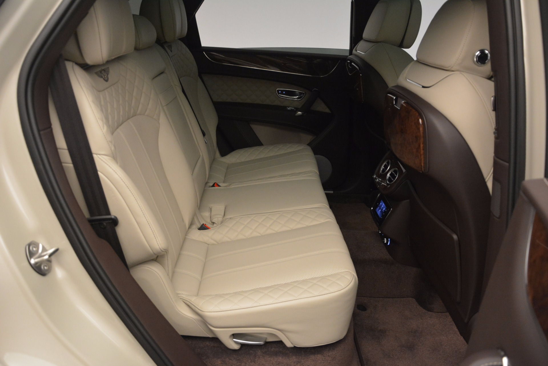 Used 2017 Bentley Bentayga  For Sale In Greenwich, CT. Alfa Romeo of Greenwich, B1200 695_p44