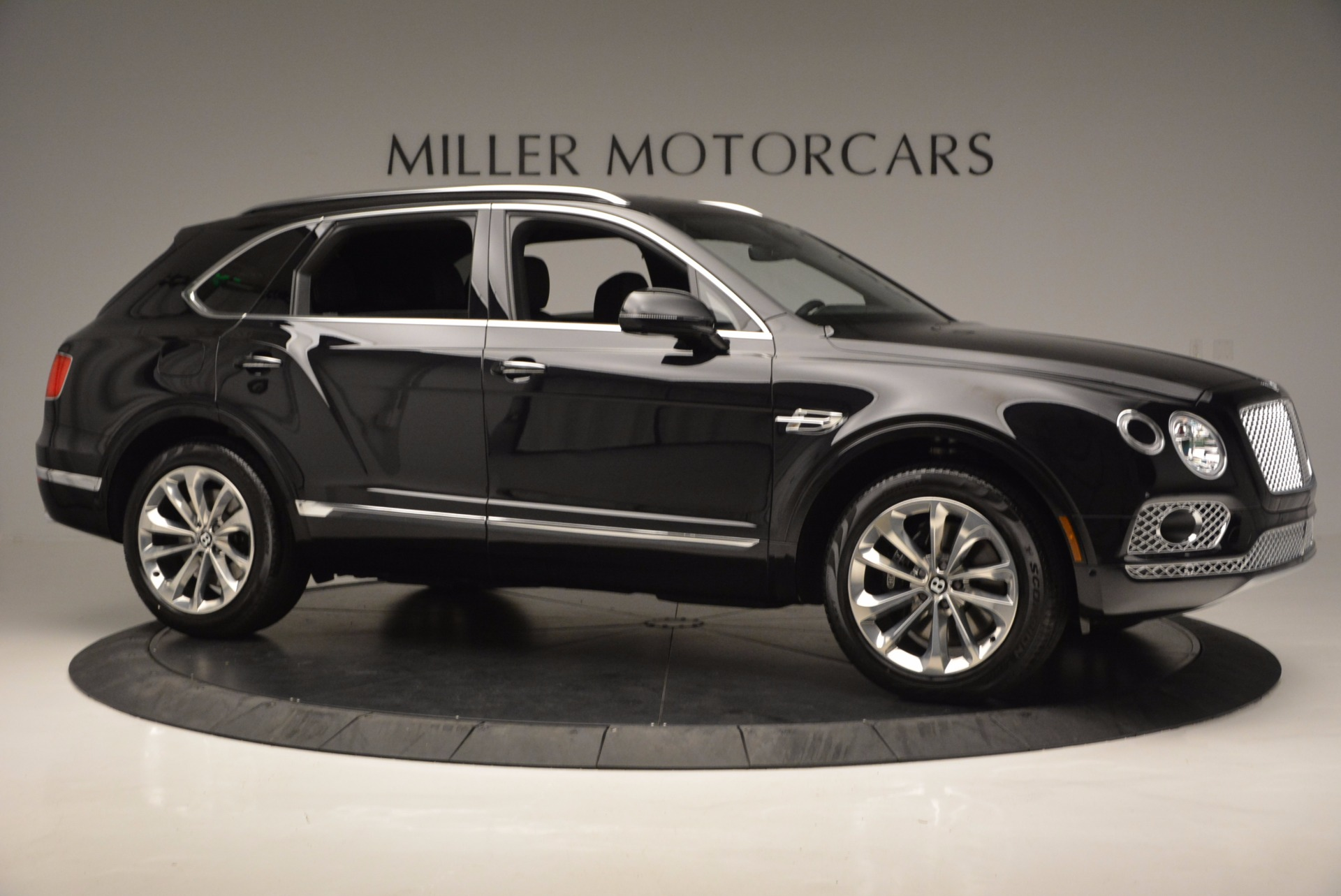 Used 2017 Bentley Bentayga W12 For Sale In Greenwich, CT. Alfa Romeo of Greenwich, 7475 696_p10