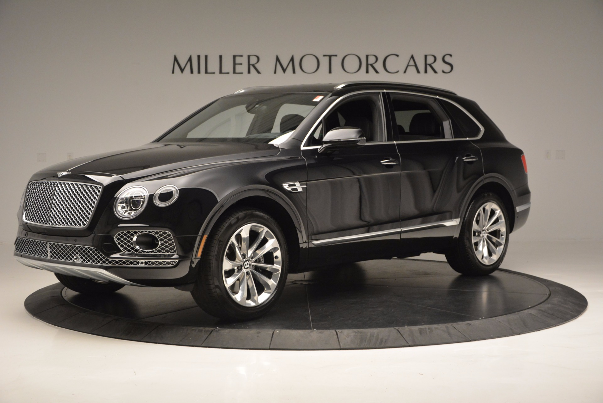 Used 2017 Bentley Bentayga W12 For Sale In Greenwich, CT. Alfa Romeo of Greenwich, 7475 696_p2