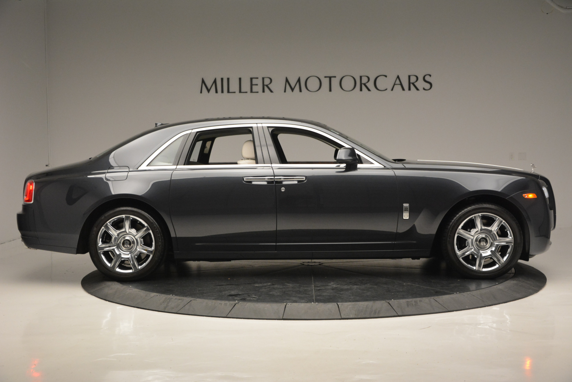 Used 2013 Rolls-Royce Ghost  For Sale In Greenwich, CT. Alfa Romeo of Greenwich, 7302 702_p10