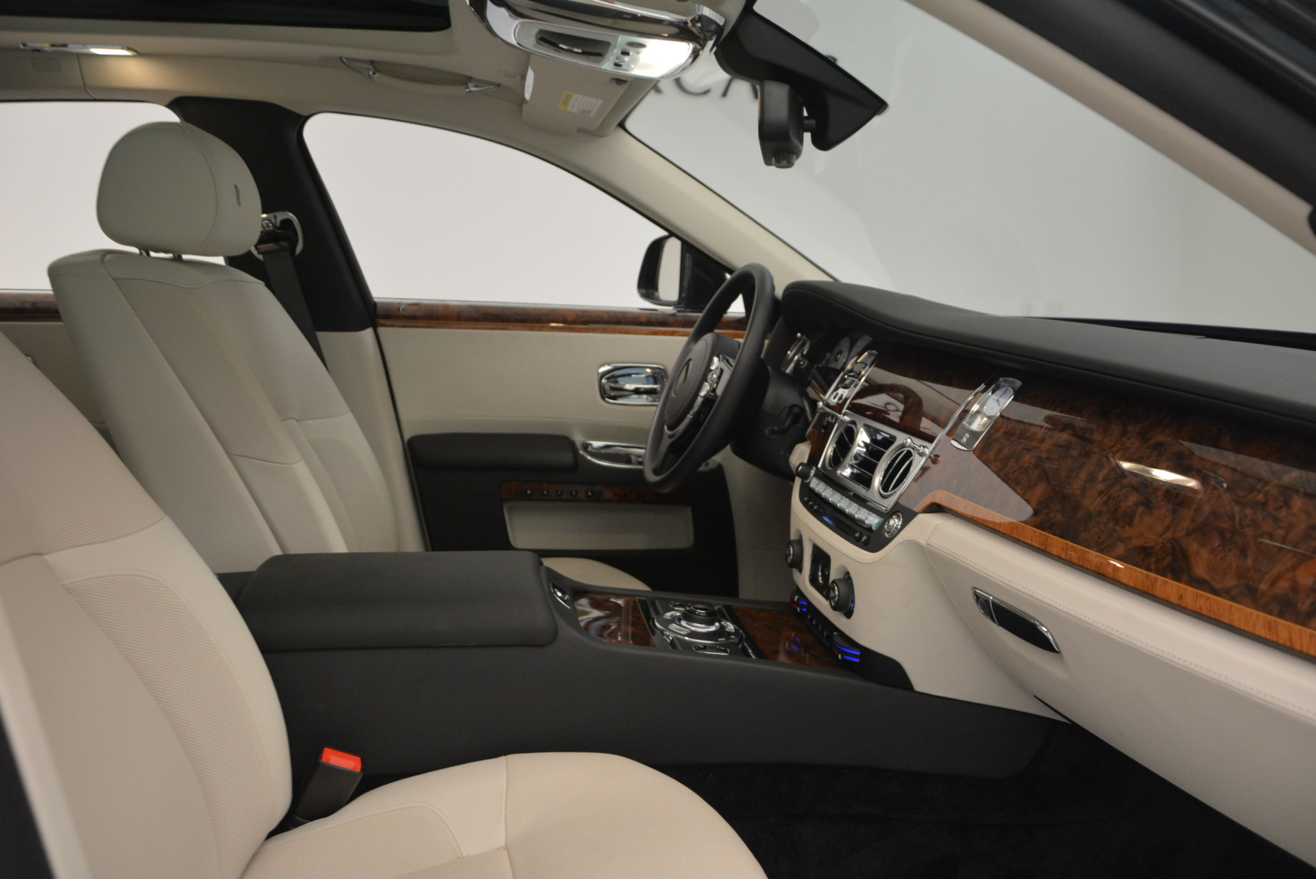 Used 2013 Rolls-Royce Ghost  For Sale In Greenwich, CT. Alfa Romeo of Greenwich, 7302 702_p32