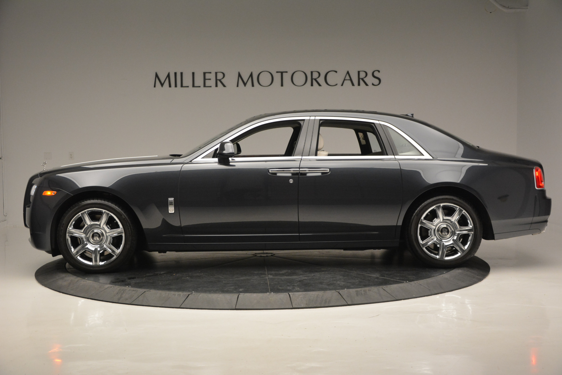 Used 2013 Rolls-Royce Ghost  For Sale In Greenwich, CT. Alfa Romeo of Greenwich, 7302 702_p4