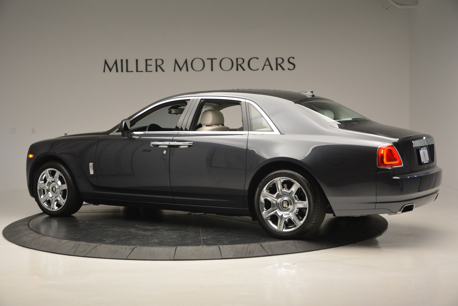 Used 2013 Rolls-Royce Ghost  For Sale In Greenwich, CT. Alfa Romeo of Greenwich, 7302 702_p5