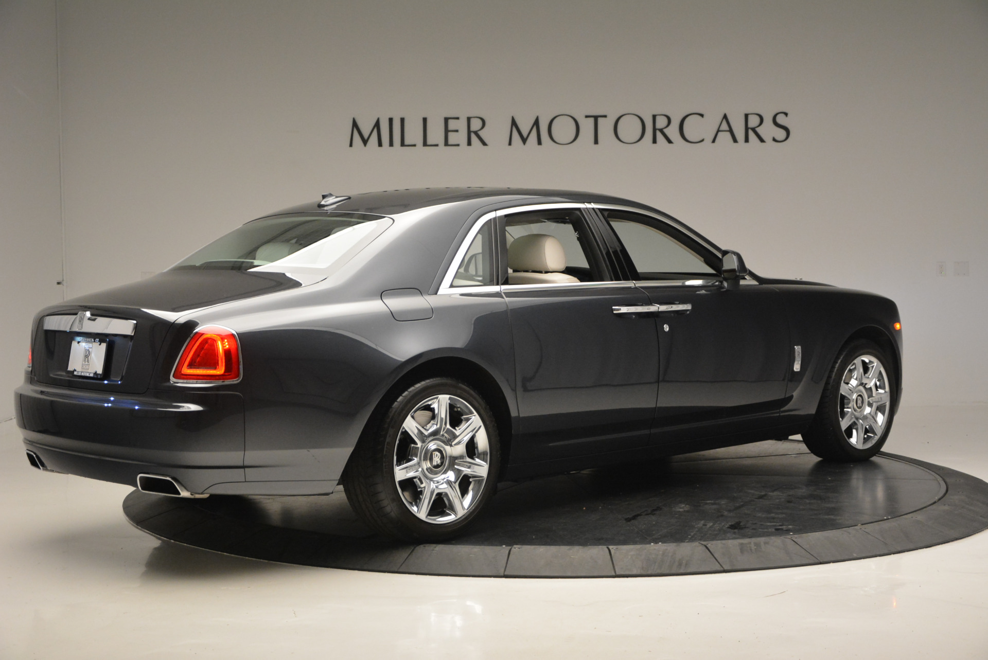 Used 2013 Rolls-Royce Ghost  For Sale In Greenwich, CT. Alfa Romeo of Greenwich, 7302 702_p9