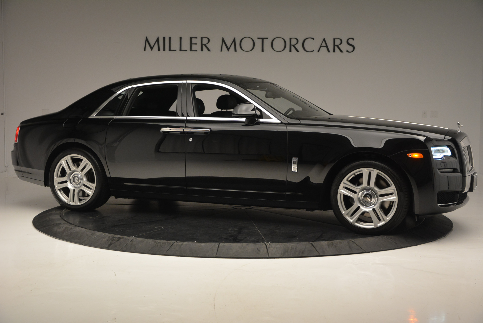 Used 2016 Rolls-Royce Ghost Series II  For Sale In Greenwich, CT. Alfa Romeo of Greenwich, R392 703_p10