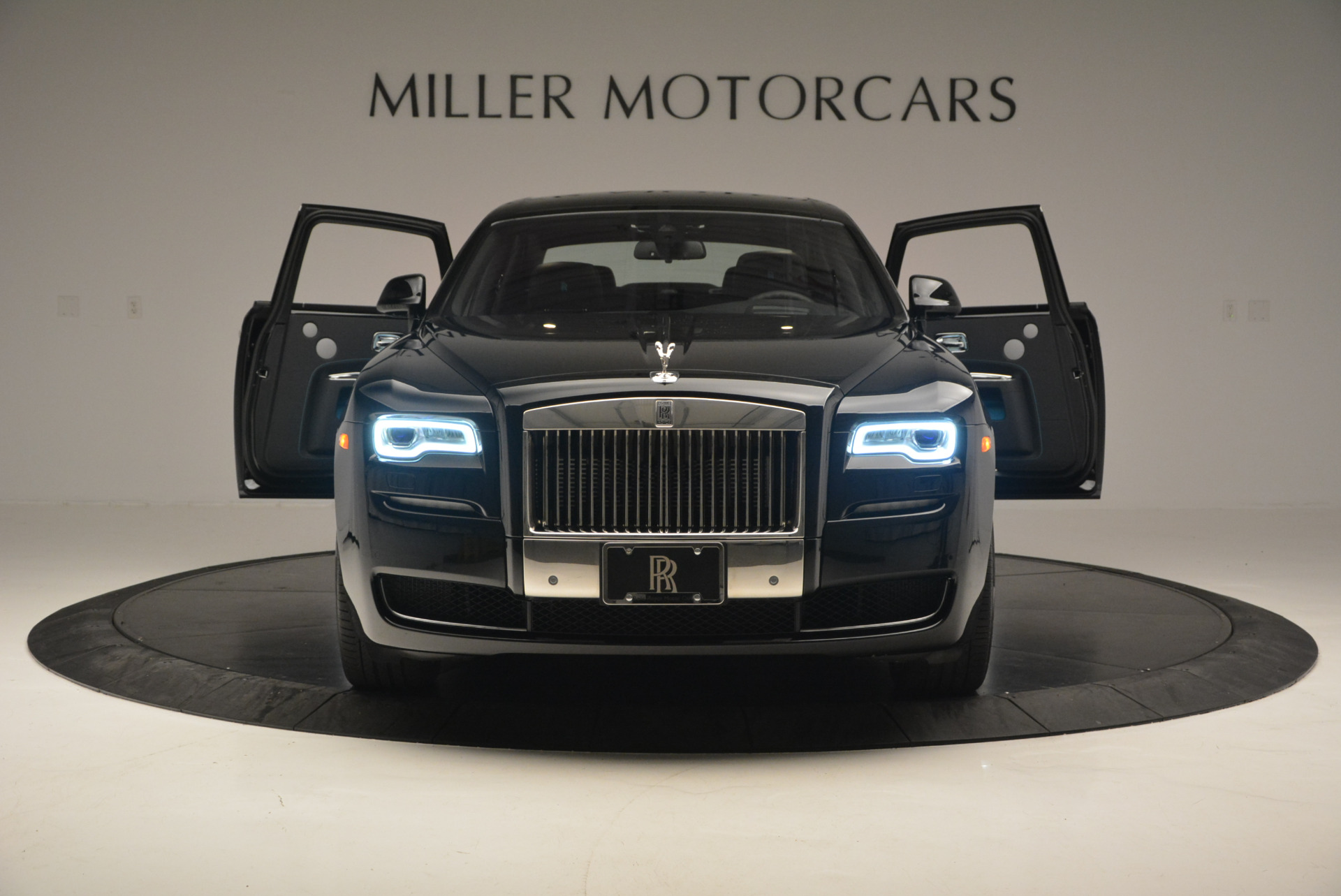 Used 2016 Rolls-Royce Ghost Series II  For Sale In Greenwich, CT. Alfa Romeo of Greenwich, R392 703_p13
