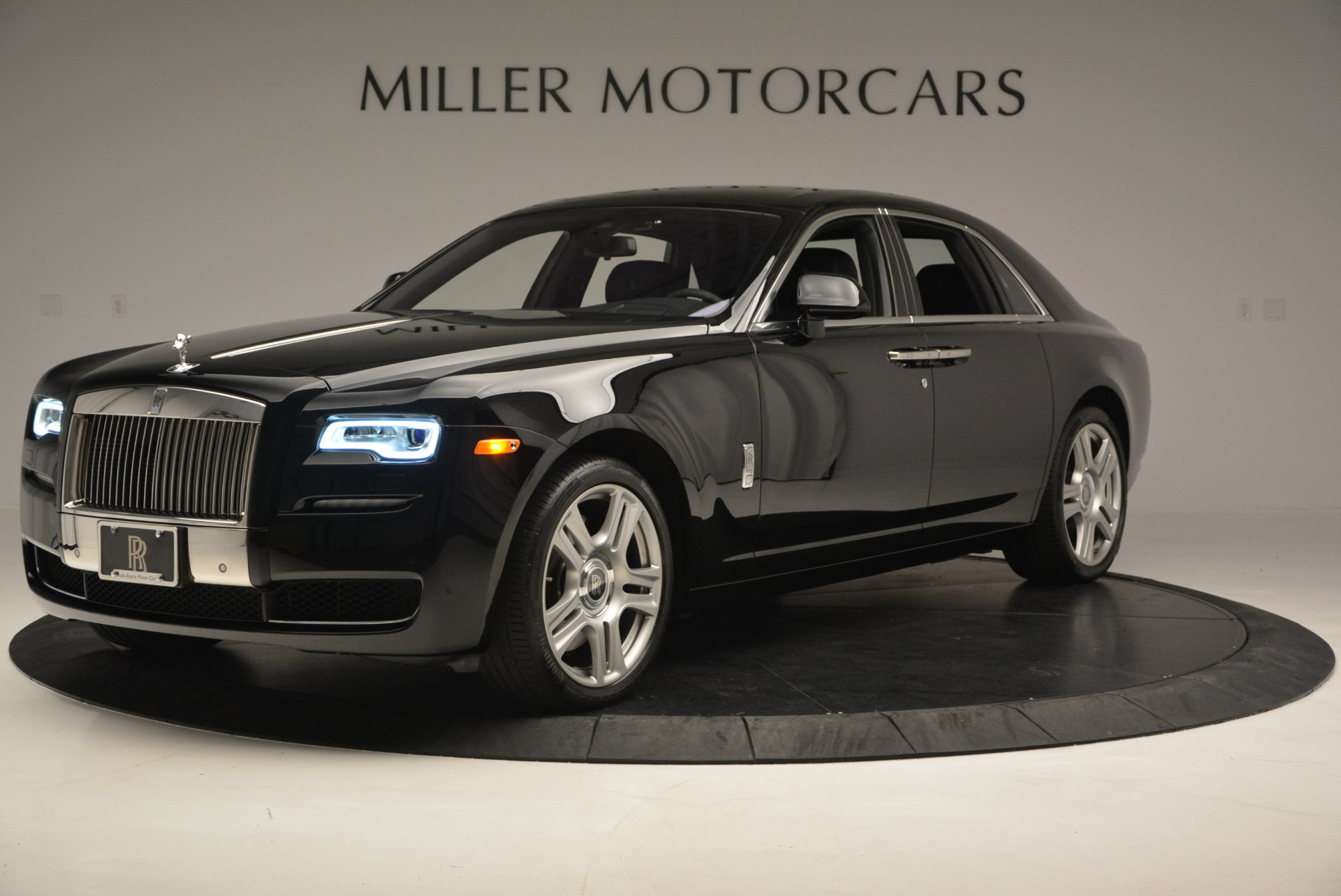 Used 2016 Rolls-Royce Ghost Series II  For Sale In Greenwich, CT. Alfa Romeo of Greenwich, R392 703_p2