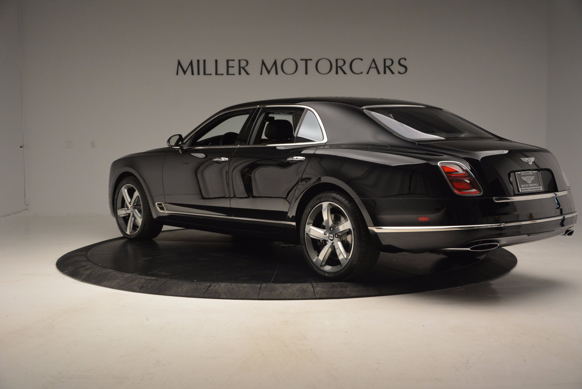 Used 2017 Bentley Mulsanne Speed For Sale In Greenwich, CT. Alfa Romeo of Greenwich, B1207 733_p5