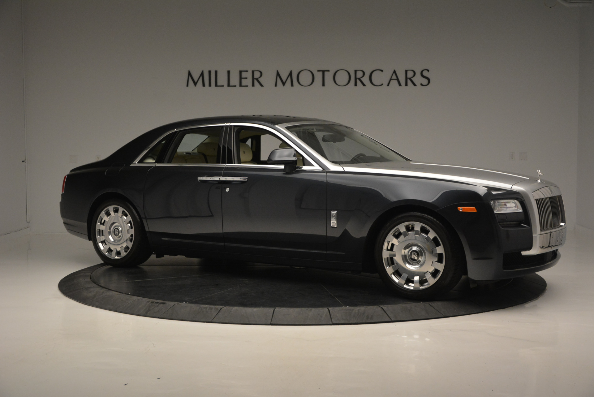 Used 2013 Rolls-Royce Ghost  For Sale In Greenwich, CT. Alfa Romeo of Greenwich, 7117 739_p11