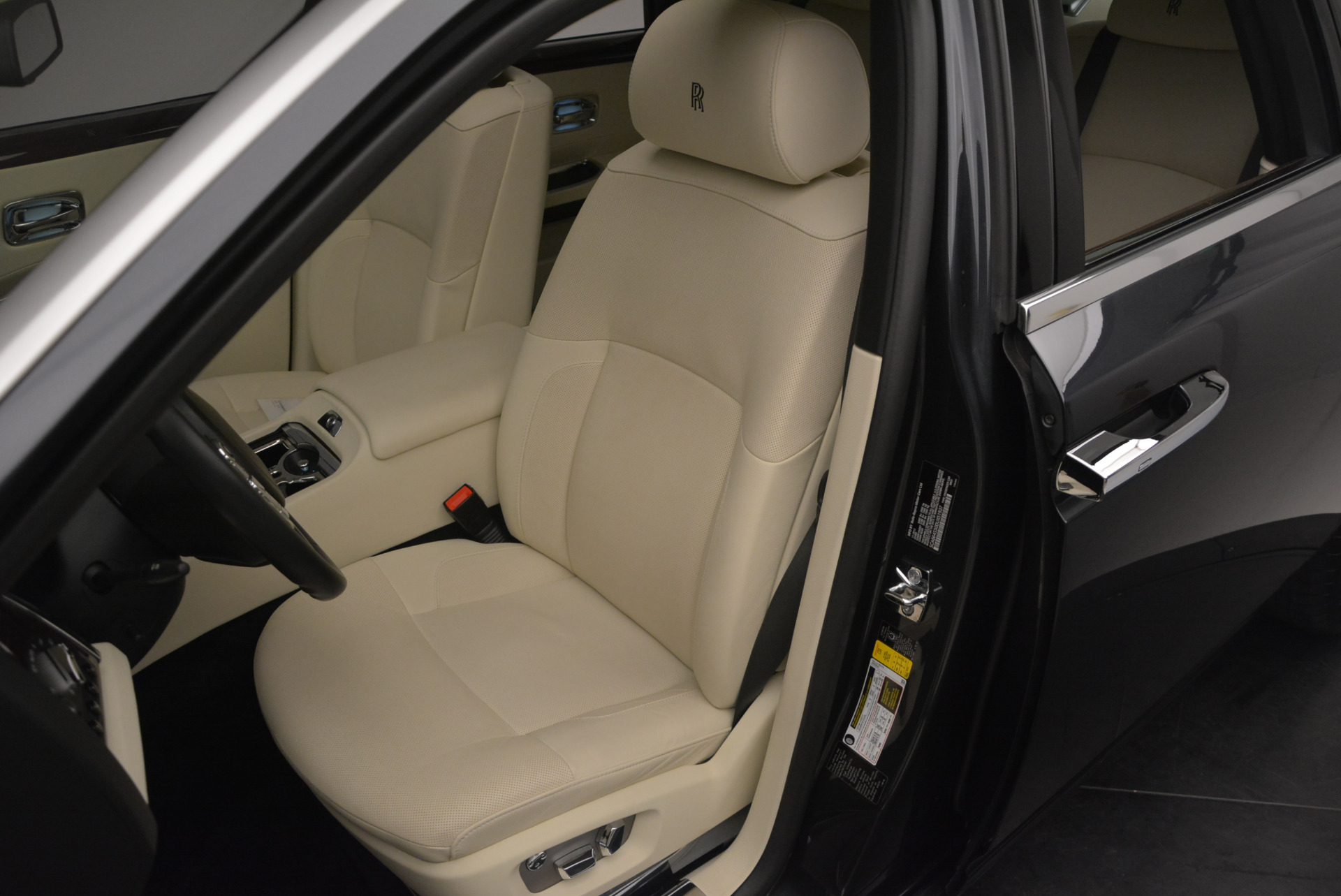 Used 2013 Rolls-Royce Ghost  For Sale In Greenwich, CT. Alfa Romeo of Greenwich, 7117 739_p23
