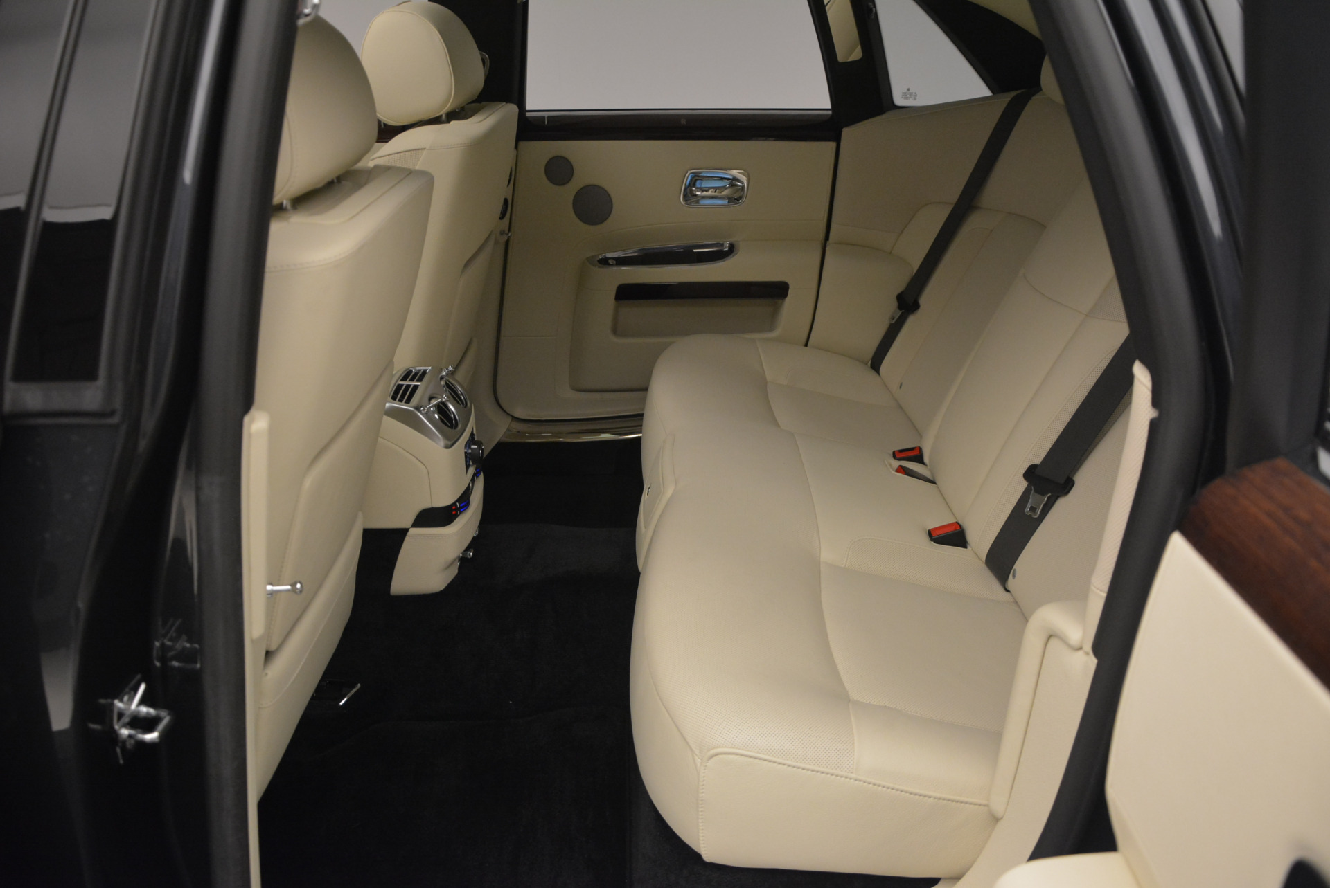 Used 2013 Rolls-Royce Ghost  For Sale In Greenwich, CT. Alfa Romeo of Greenwich, 7117 739_p29