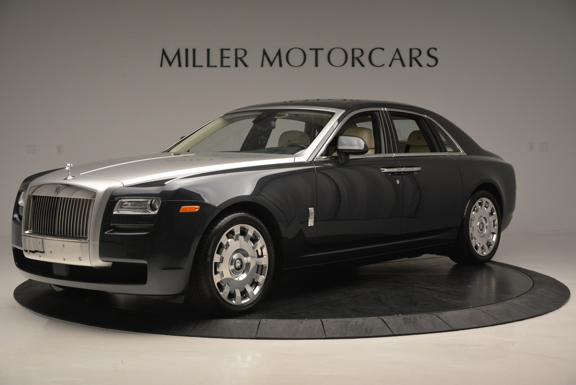Used 2013 Rolls-Royce Ghost  For Sale In Greenwich, CT. Alfa Romeo of Greenwich, 7117 739_p2