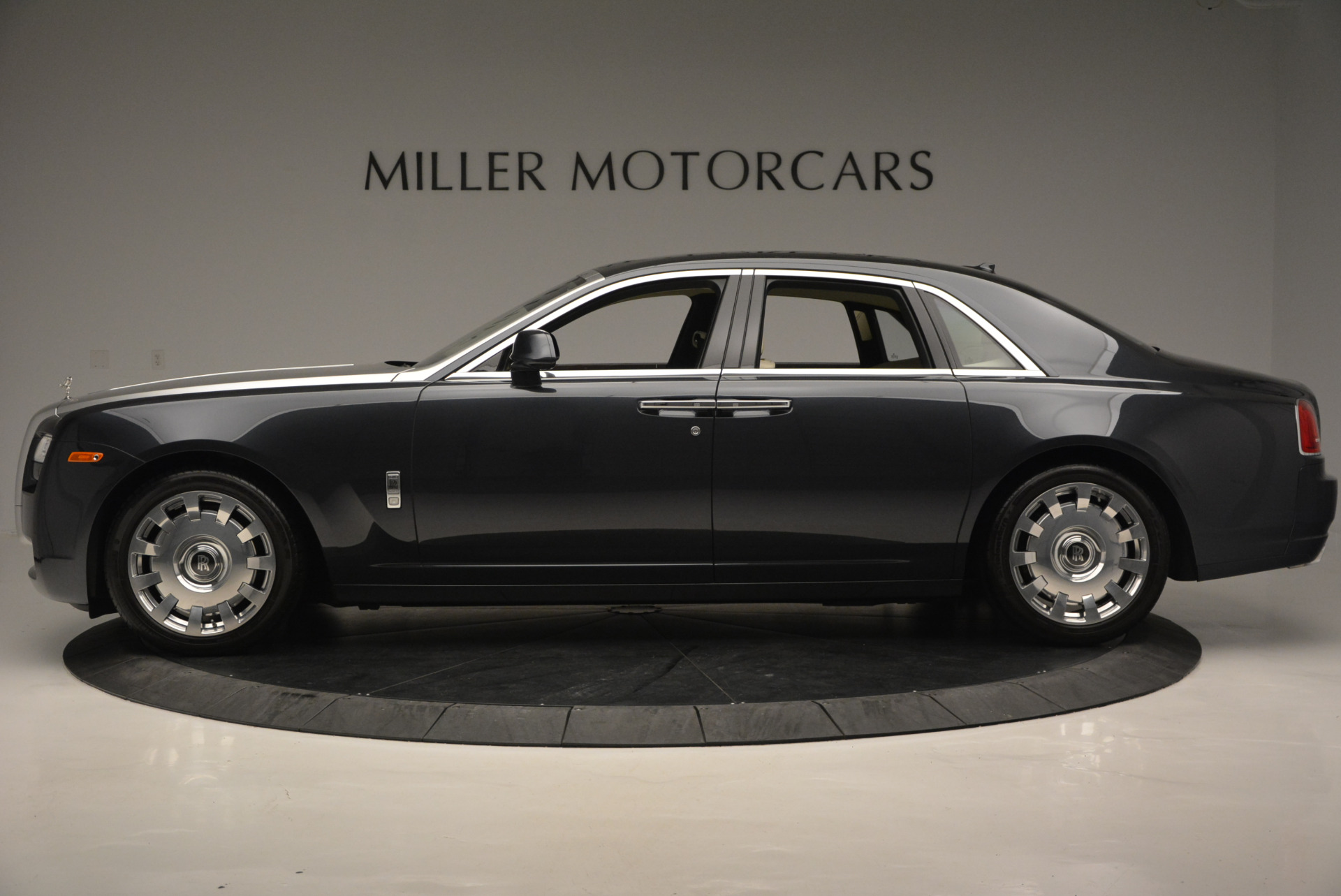Used 2013 Rolls-Royce Ghost  For Sale In Greenwich, CT. Alfa Romeo of Greenwich, 7117 739_p3