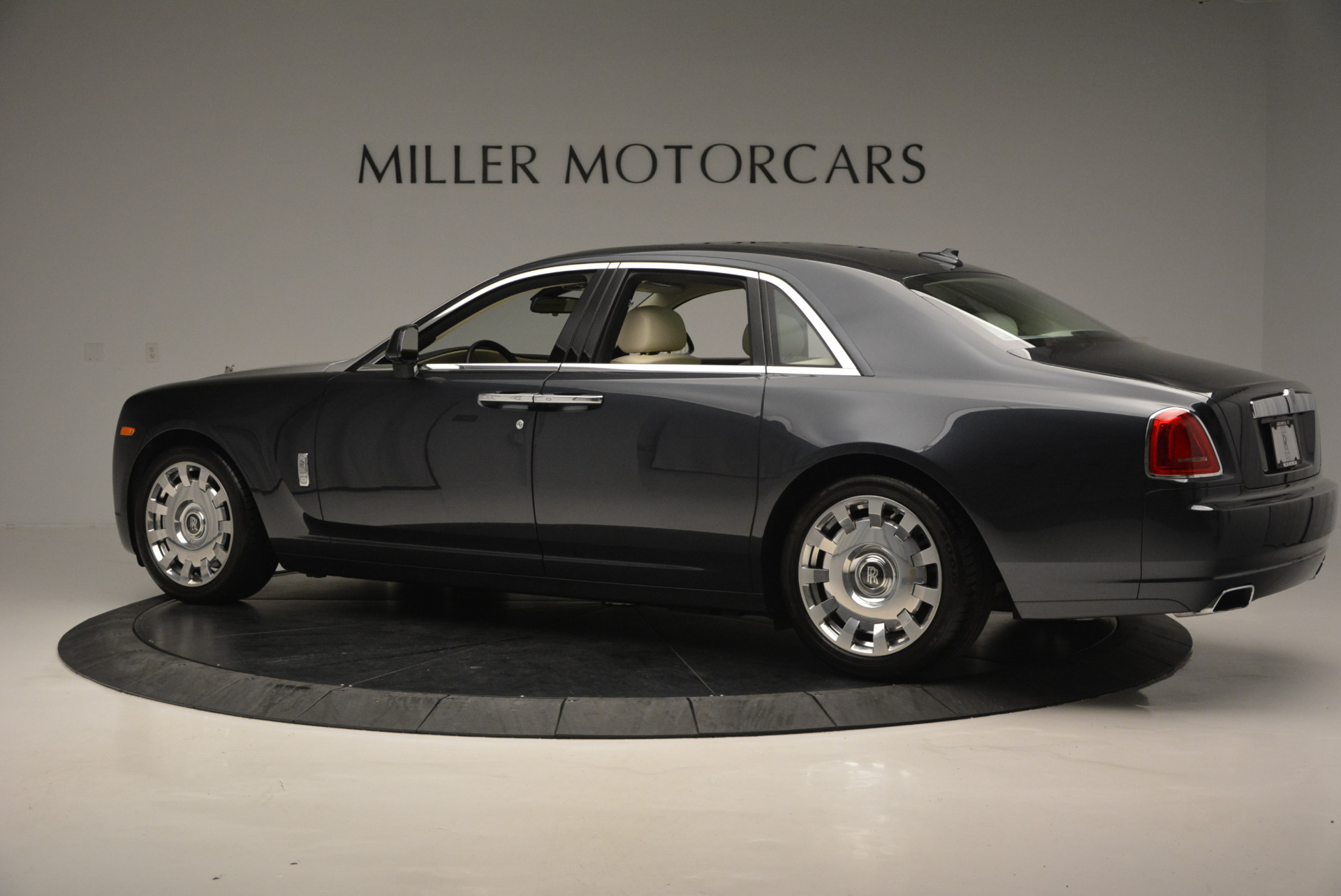 Used 2013 Rolls-Royce Ghost  For Sale In Greenwich, CT. Alfa Romeo of Greenwich, 7117 739_p5