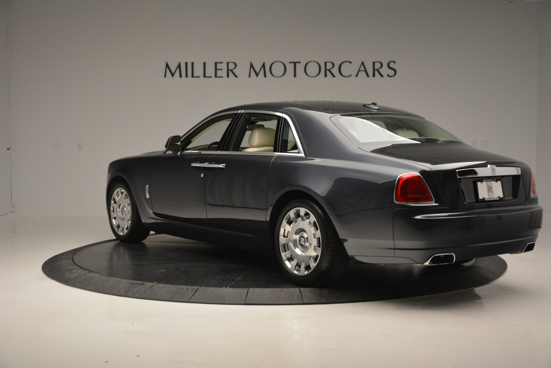 Used 2013 Rolls-Royce Ghost  For Sale In Greenwich, CT. Alfa Romeo of Greenwich, 7117 739_p6