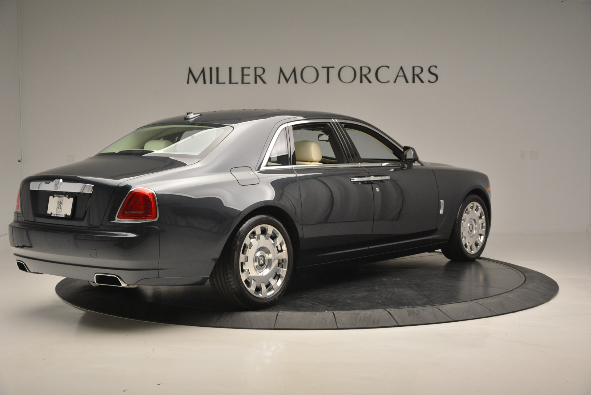 Used 2013 Rolls-Royce Ghost  For Sale In Greenwich, CT. Alfa Romeo of Greenwich, 7117 739_p9