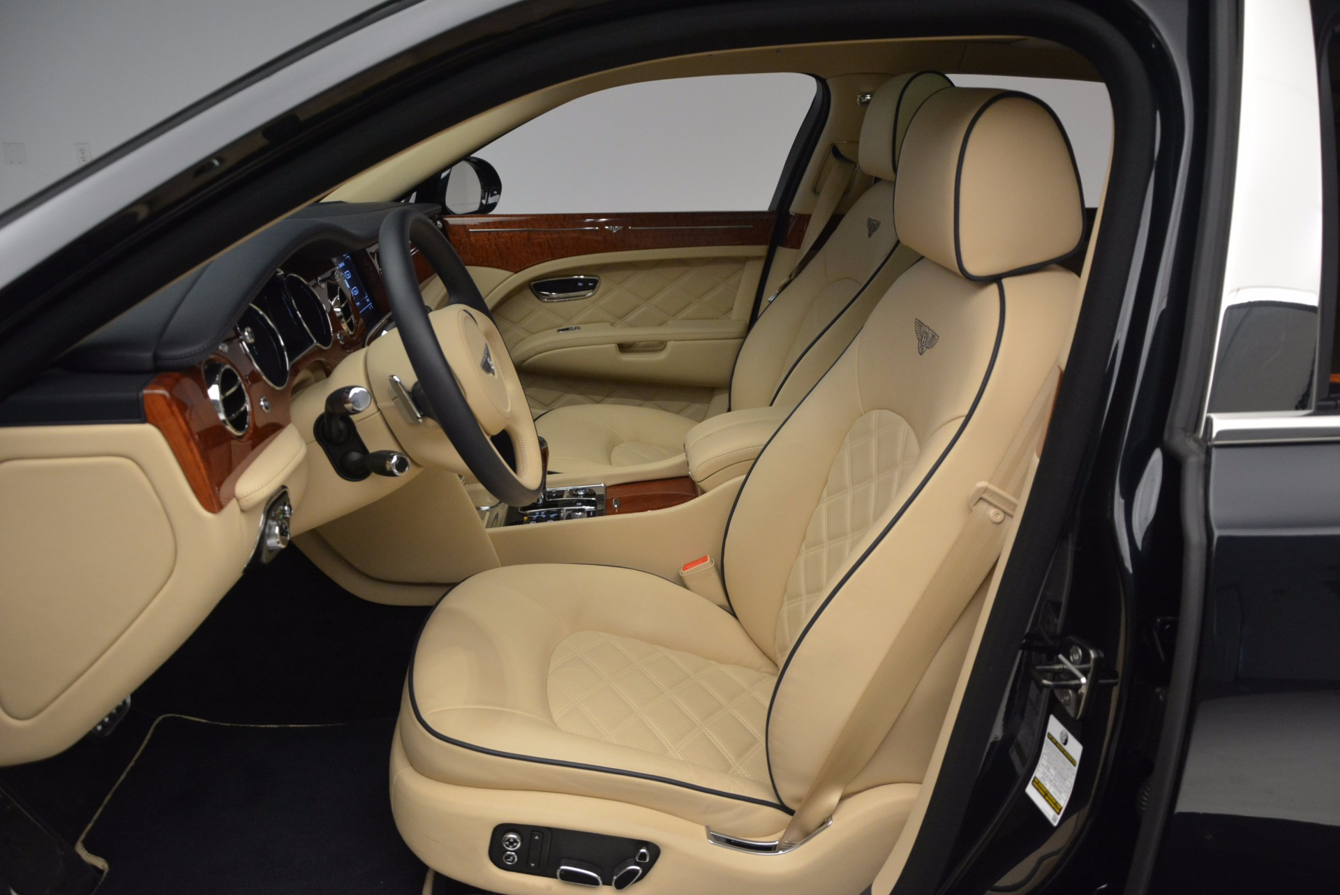 Used 2016 Bentley Mulsanne  For Sale In Greenwich, CT. Alfa Romeo of Greenwich, 7121 742_p19