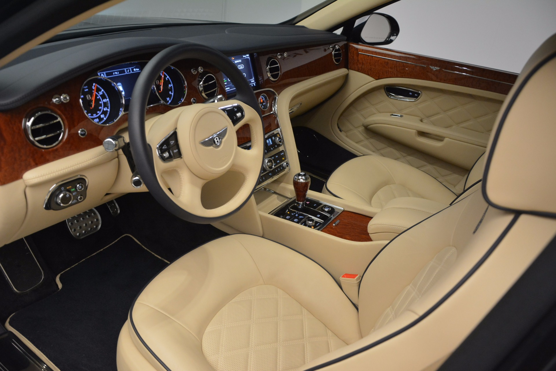 Used 2016 Bentley Mulsanne  For Sale In Greenwich, CT. Alfa Romeo of Greenwich, 7121 742_p20
