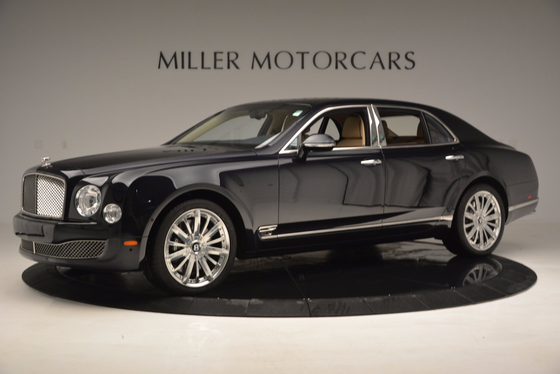 Used 2016 Bentley Mulsanne  For Sale In Greenwich, CT. Alfa Romeo of Greenwich, 7121 742_p2