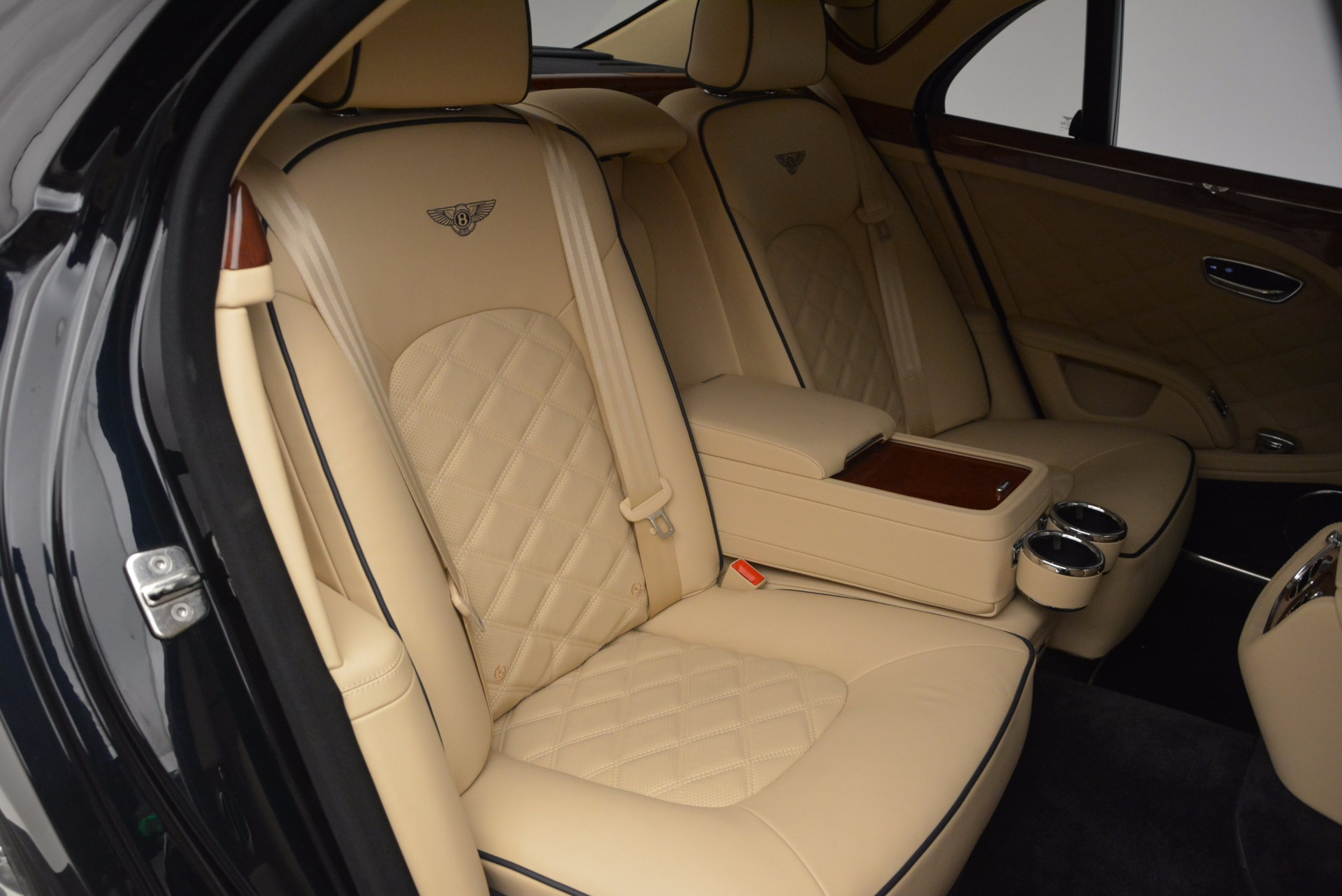 Used 2016 Bentley Mulsanne  For Sale In Greenwich, CT. Alfa Romeo of Greenwich, 7121 742_p34